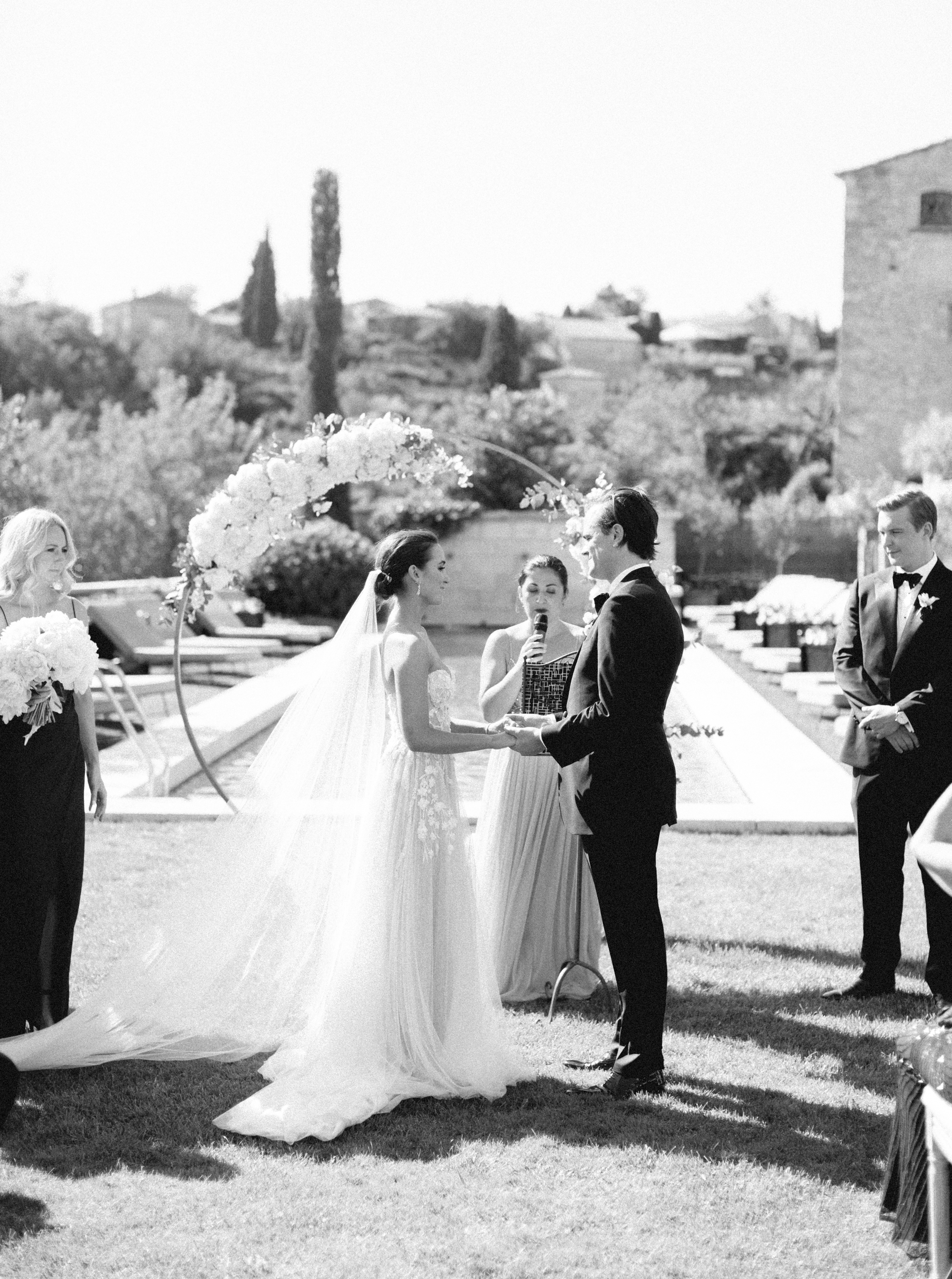 bastide_de_gordes_provence_wedding_(c)_rory-wylie-30.jpg