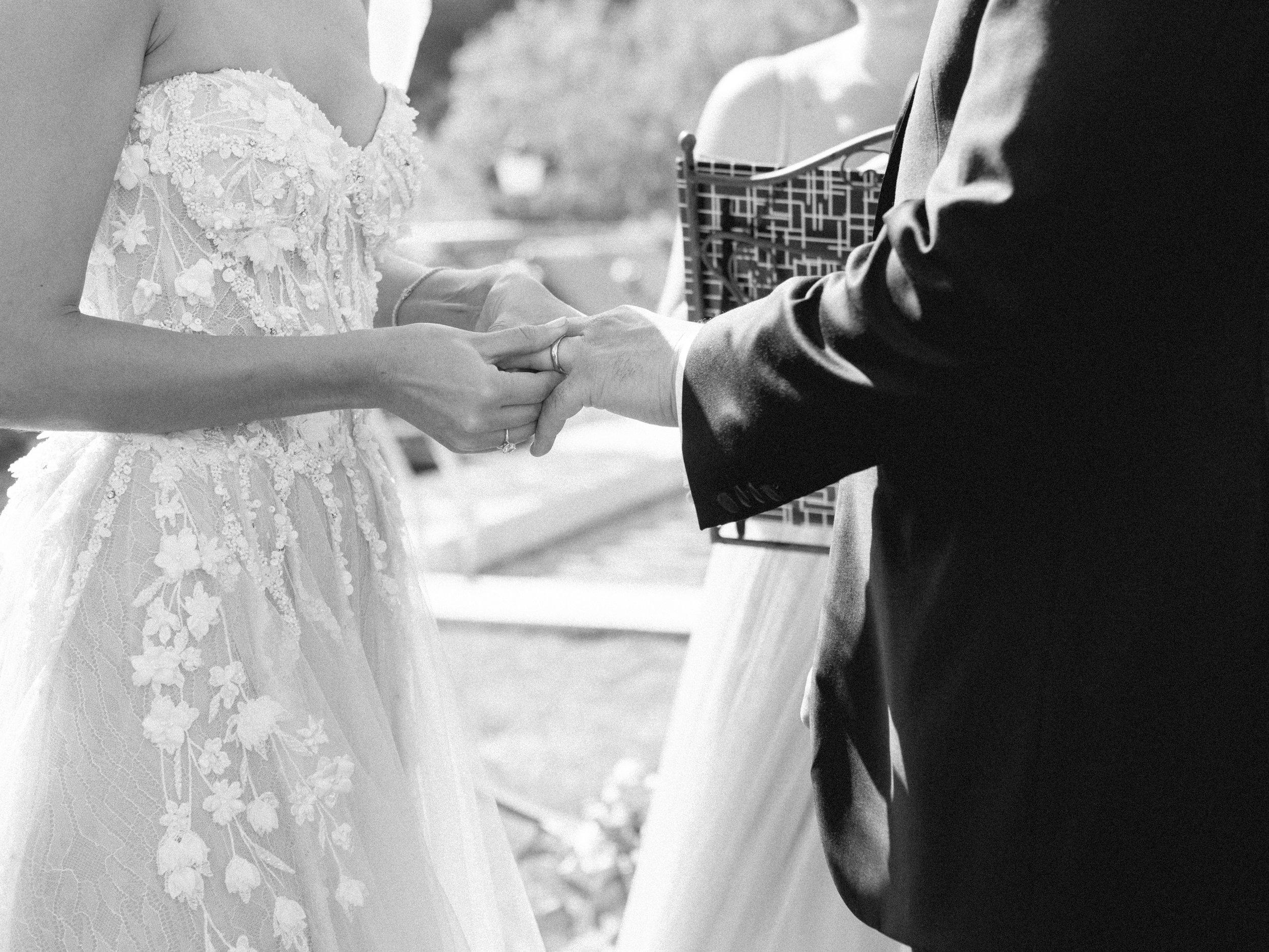 bastide_de_gordes_provence_wedding_(c)_rory-wylie-31.jpg