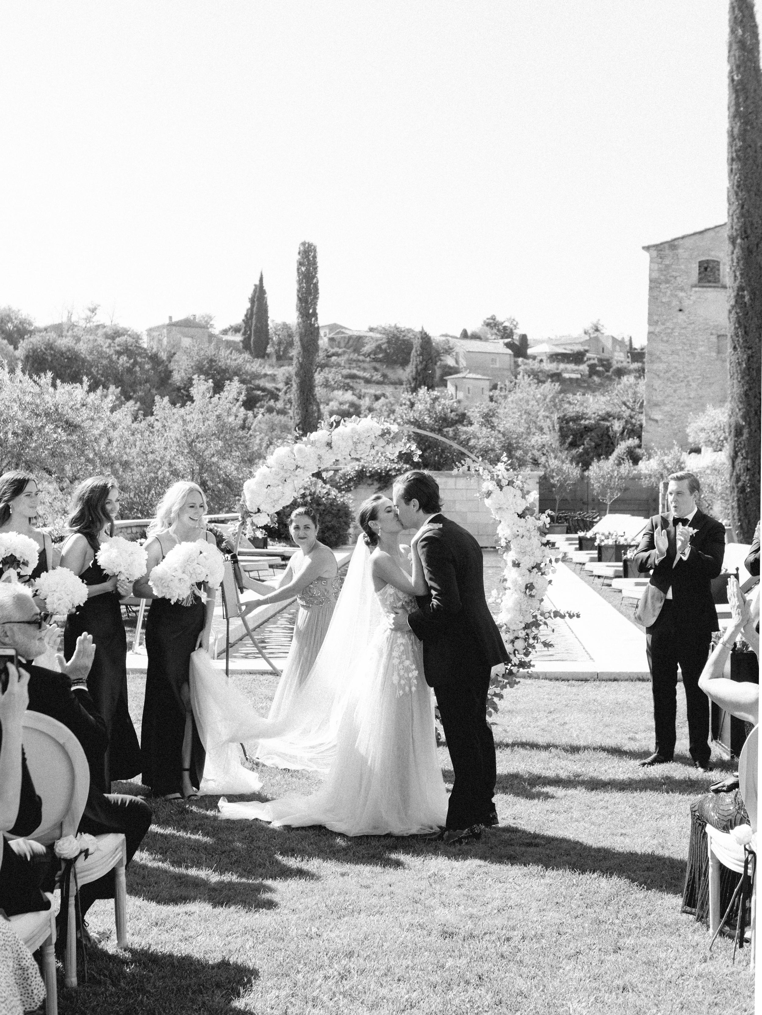 bastide_de_gordes_provence_wedding_(c)_rory-wylie-32.jpg