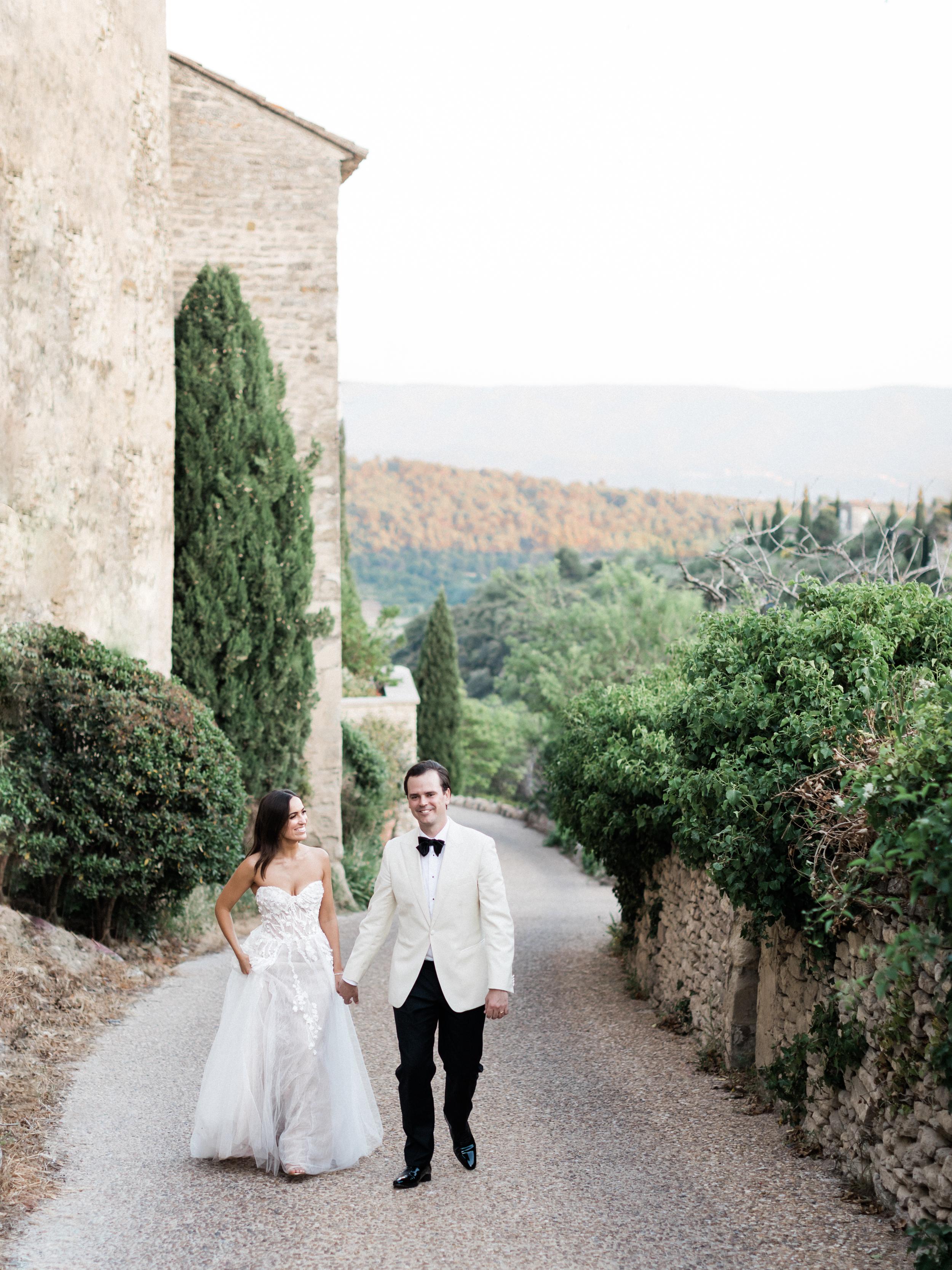 bastide_de_gordes_provence_wedding_(c)_rory-wylie-67.jpg