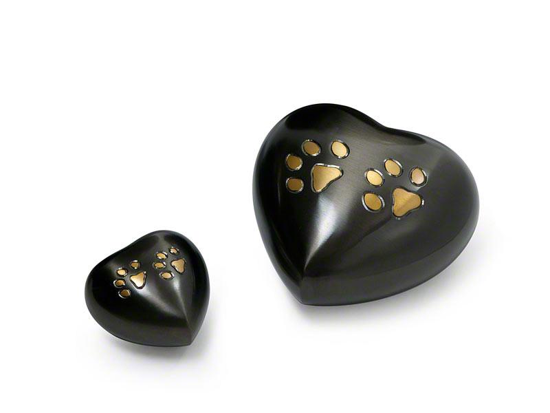 PETRIBUTES_Pawprint-Heart-Urn_group.jpg