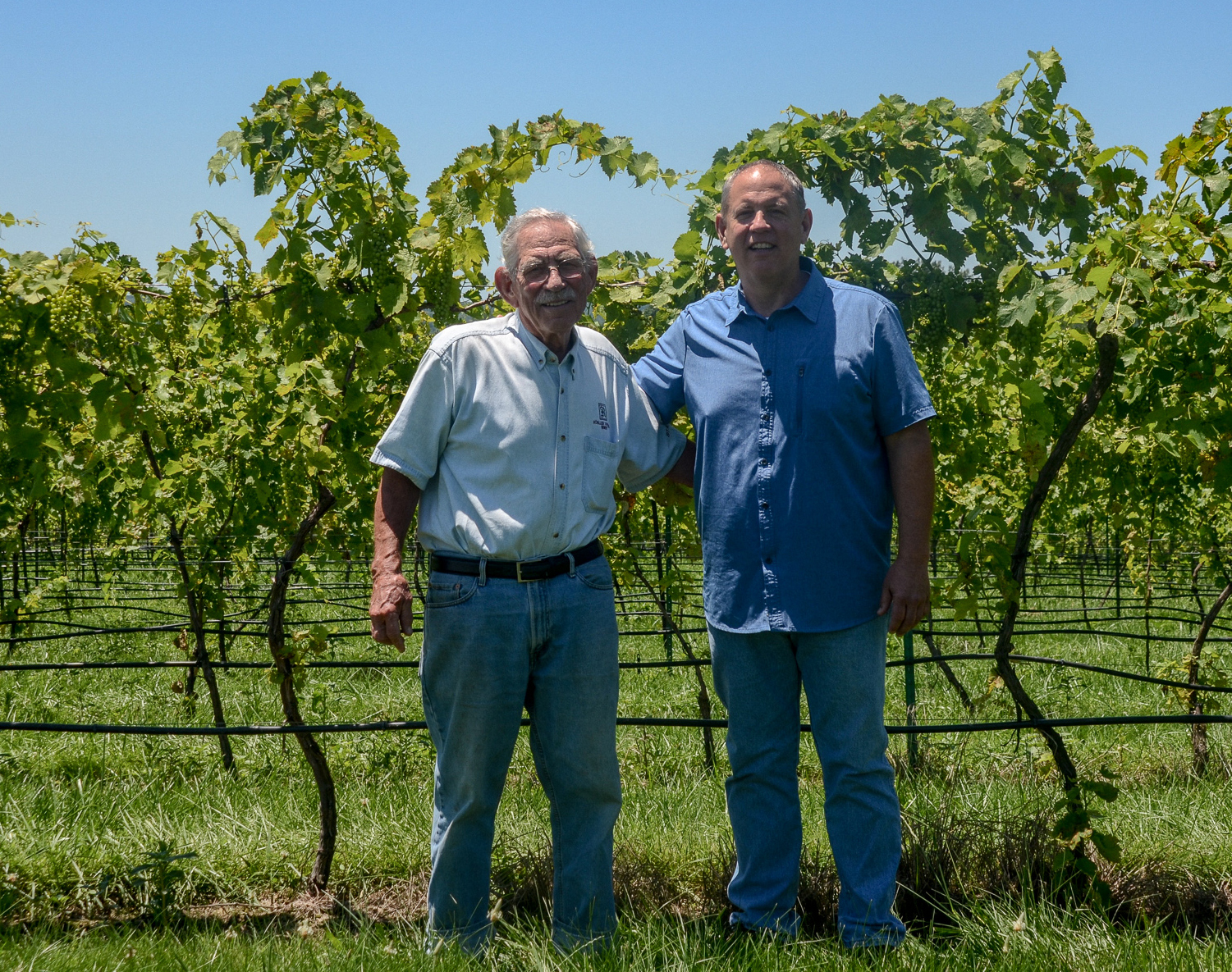 Father and son winemakers — Robert and Jerry Mueller
