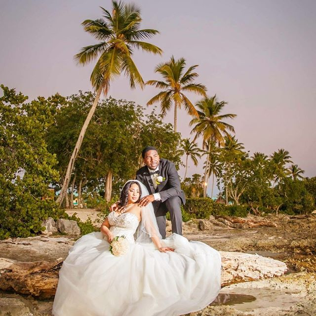 A destination wedding is like a 3-for-1. You have your wedding, vacation and honeymoon all in one place. 🌴 🌴 🌴 🌴 It's a great way to save time when you're super busy because you don't have to deal with the hustle and bustle of venue and vendor shopping. Annnnd with an intimate destination wedding (pending the size of your guest list), your champagne dreams 🥂on a beer budget🍻 are able to come alive.😁 🌴 🌴 🌴 So what are your reasons for having a destination wedding?
