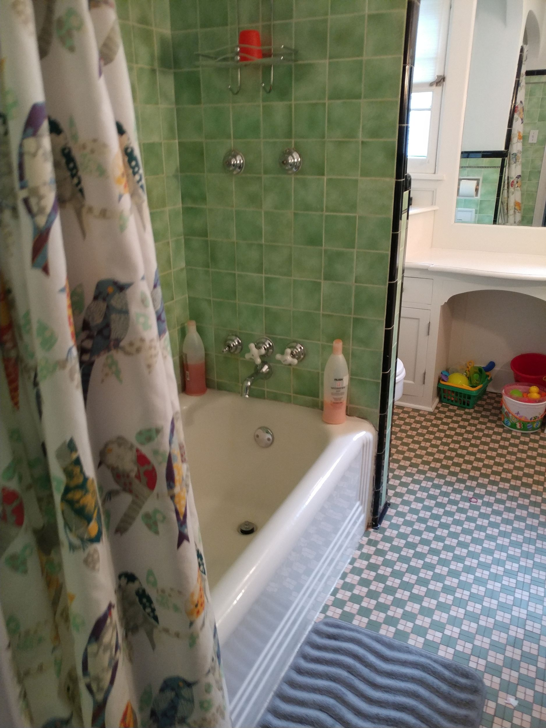luverne_baths_before_23.jpg