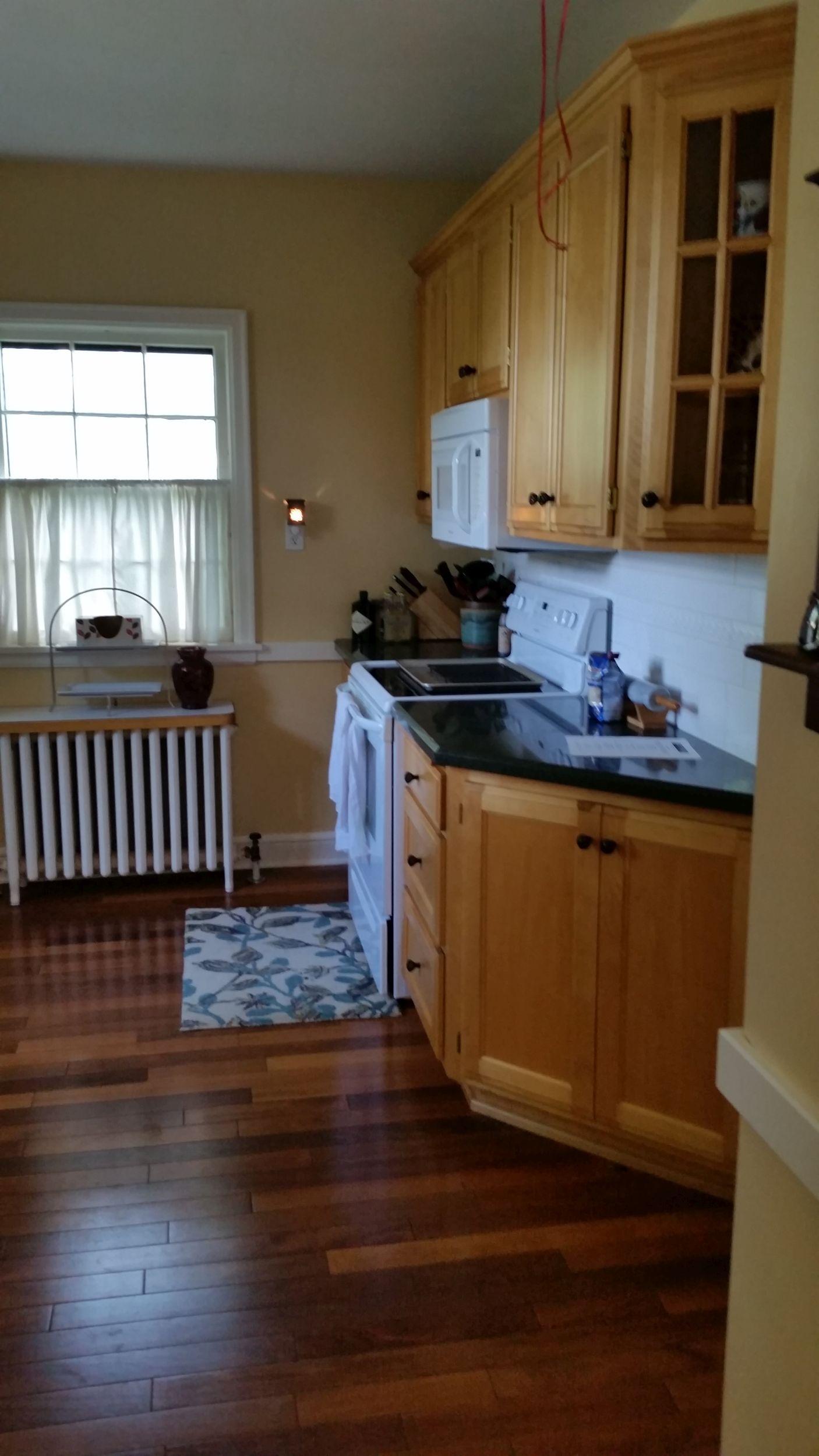 luverne_kitchen_before_10.jpg
