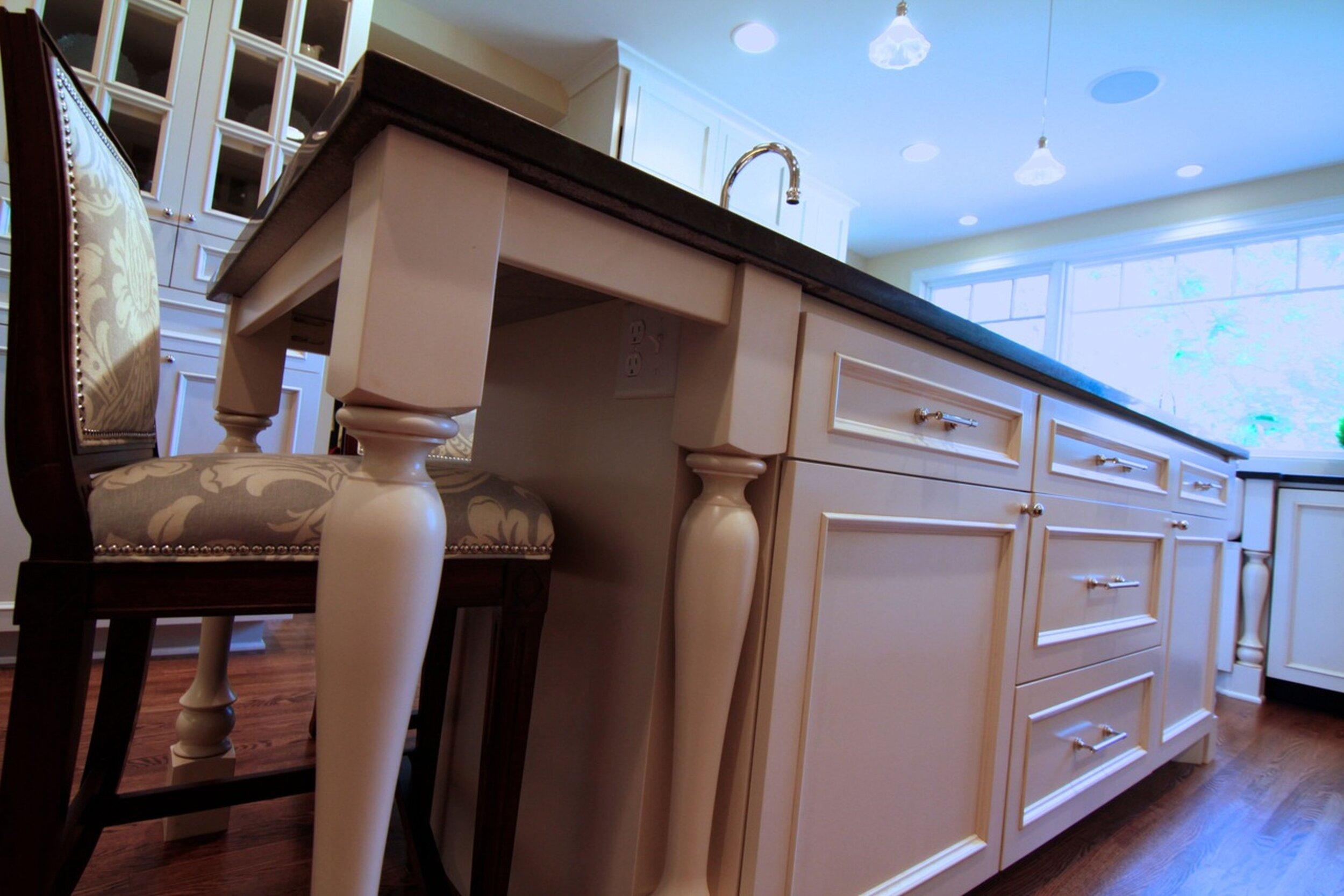 harriet_kitchen_3.jpg