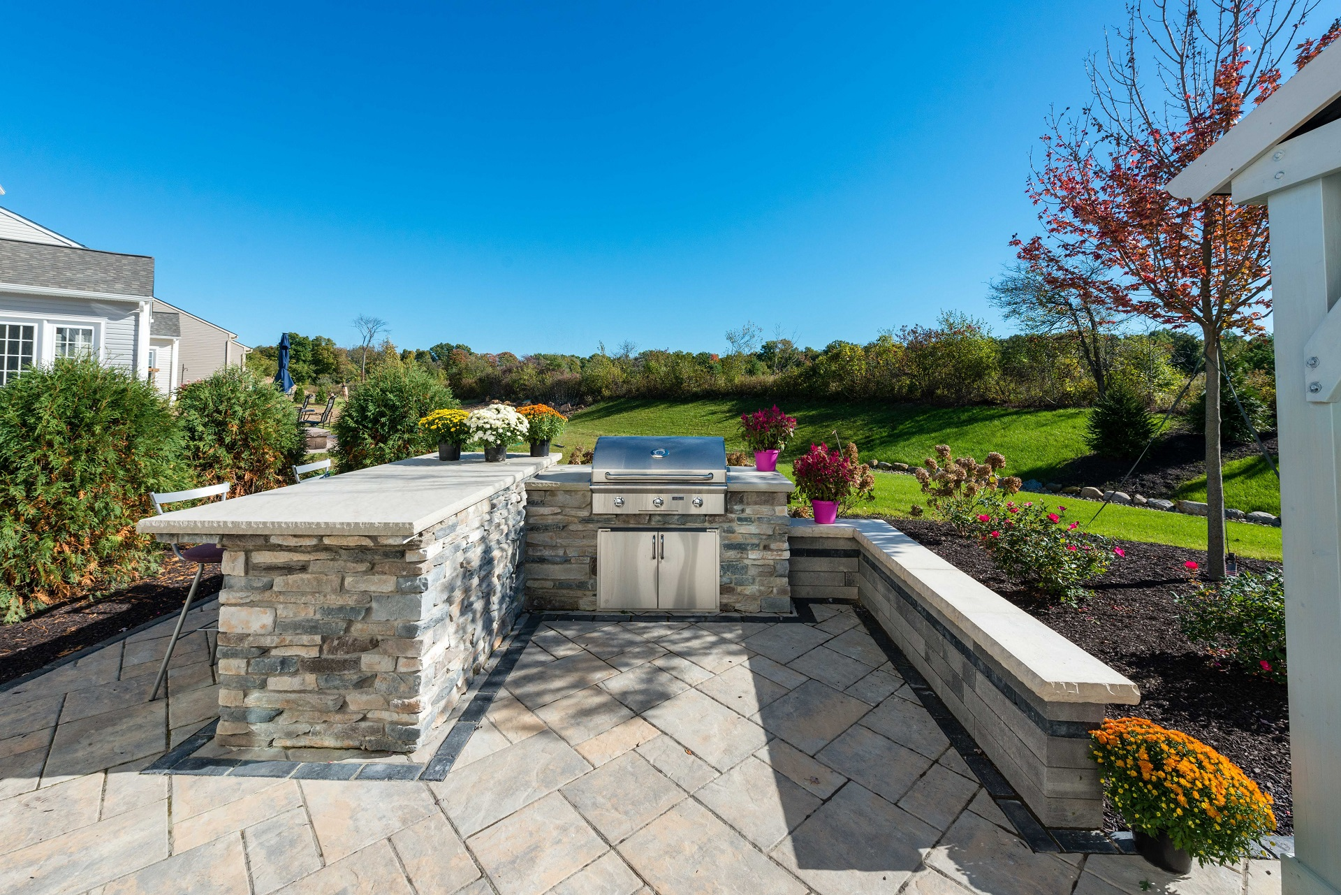 Brick patio with top outdoor kitchen in Chagrin Falls, OH