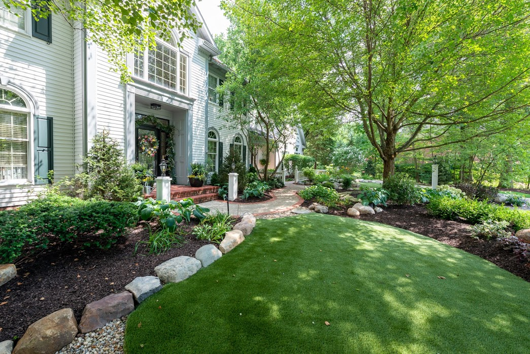 Lawn maintenance in Chagrin Falls OH