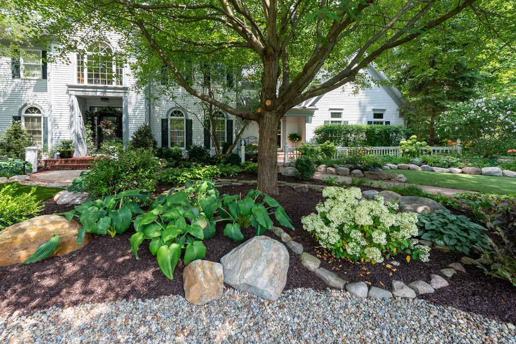Stunning landscape maintenance in Chagrin Falls OH