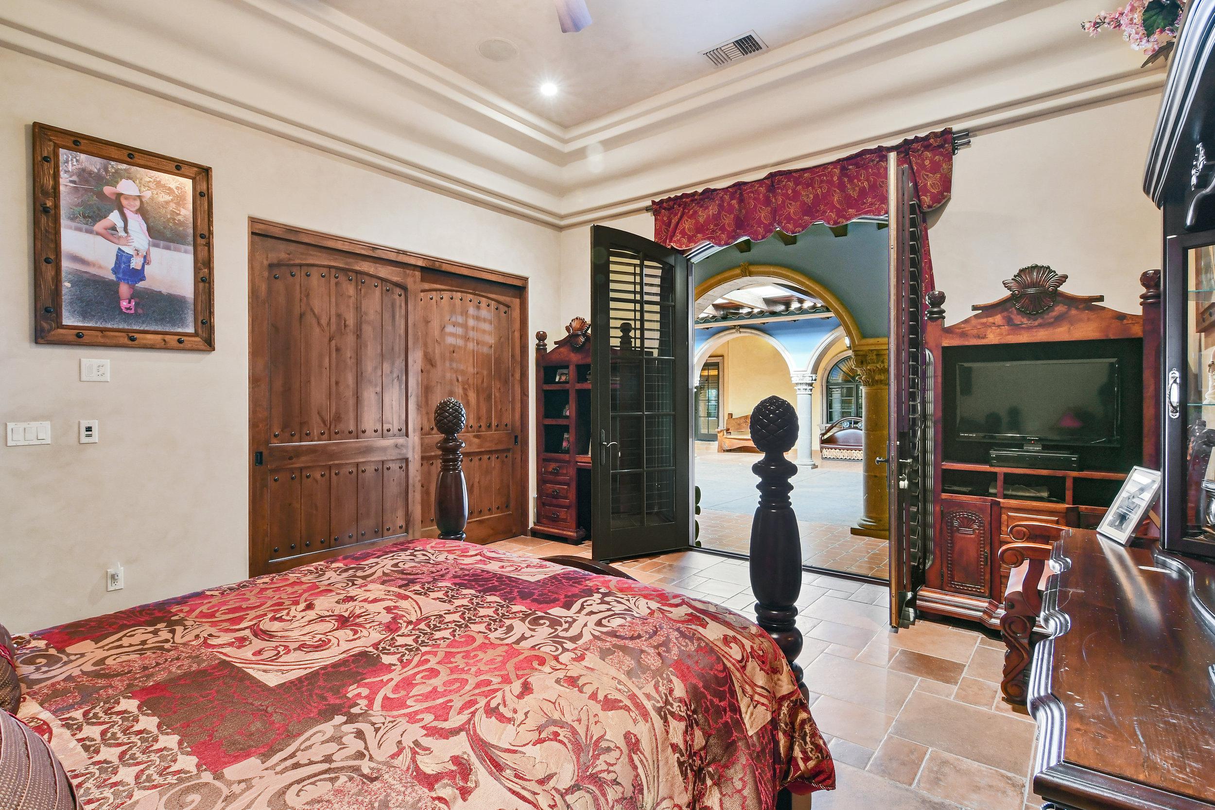 Bedroom 5- 142.jpg