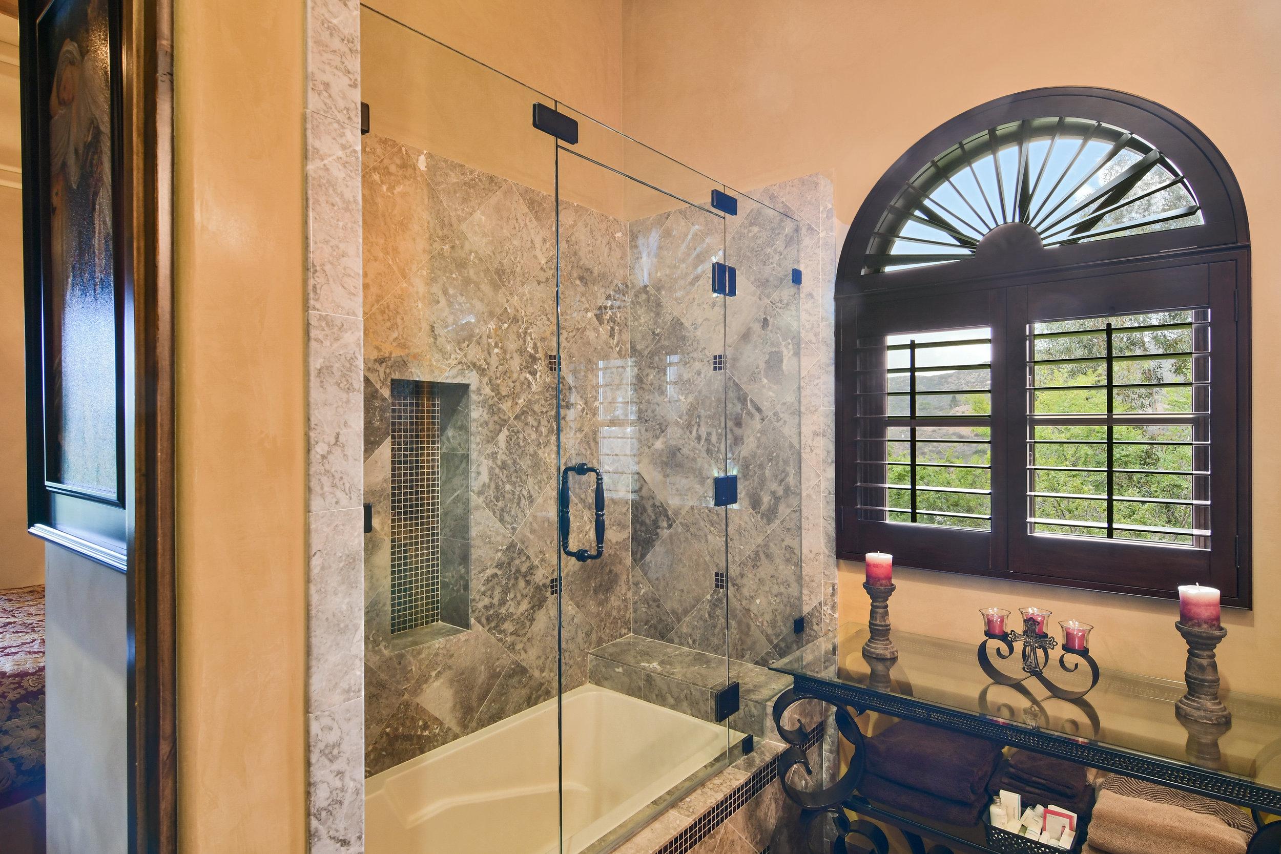 En Suite Bathroom 3- 149.jpg