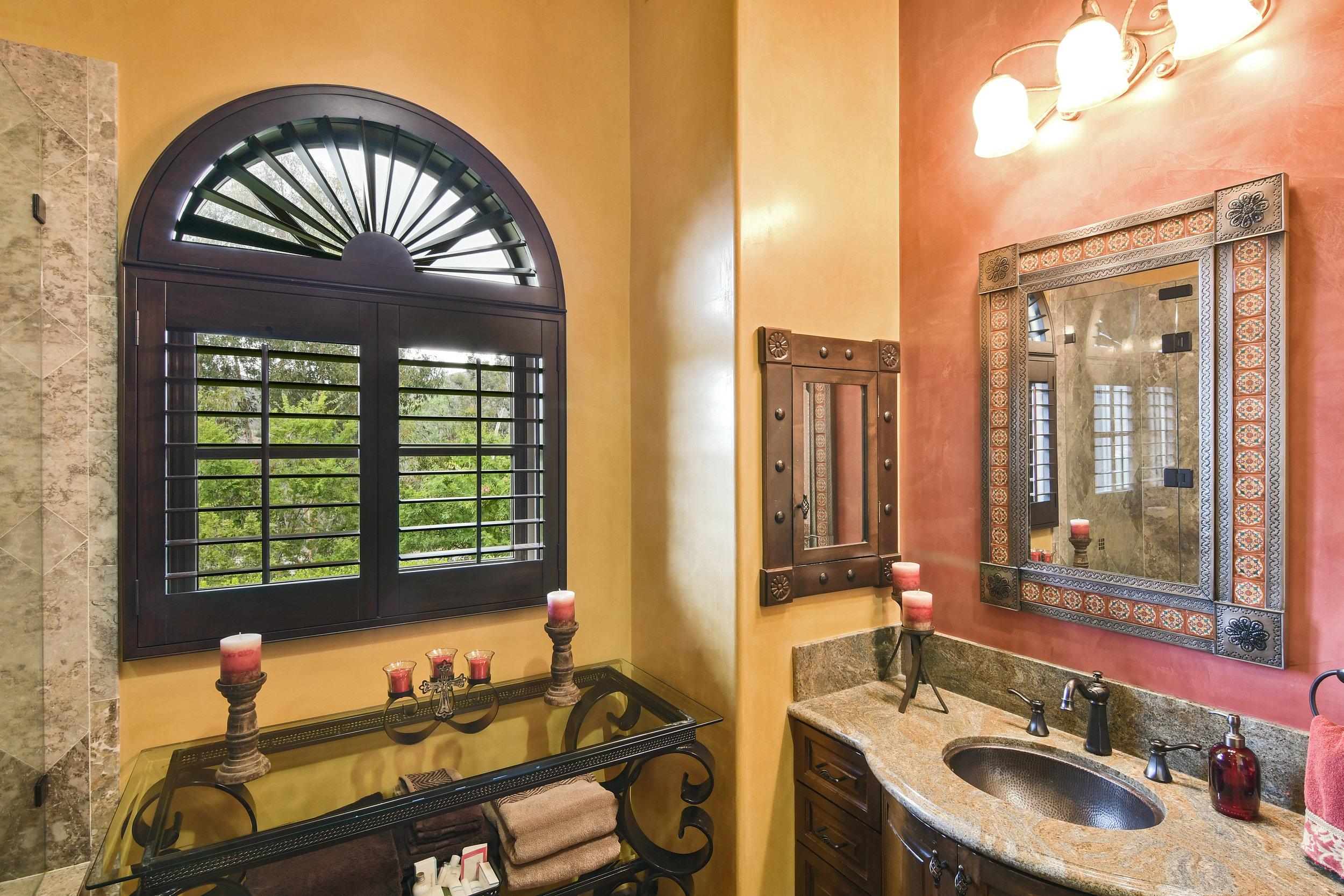 En Suite Bathroom 3-147.jpg