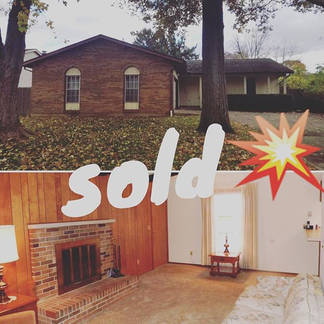 Closed on this ranch today! Tons of possibilities and great location and of course with perfect price for buyer 😀💥#buyerrepresentation #thecolumbusagents . . . Jeff@TheColumbusAgent.com . . . #columbus #ohio #forestpark #remodel #realestate #onlyincbus #asseenincolumbus #cbus #realtor #househunting #onlyincolumbus #realtorlife #columbusagents #asseenincolumbus #614 #columbusalive #columbusrealestate #realtorlife #columbusOH