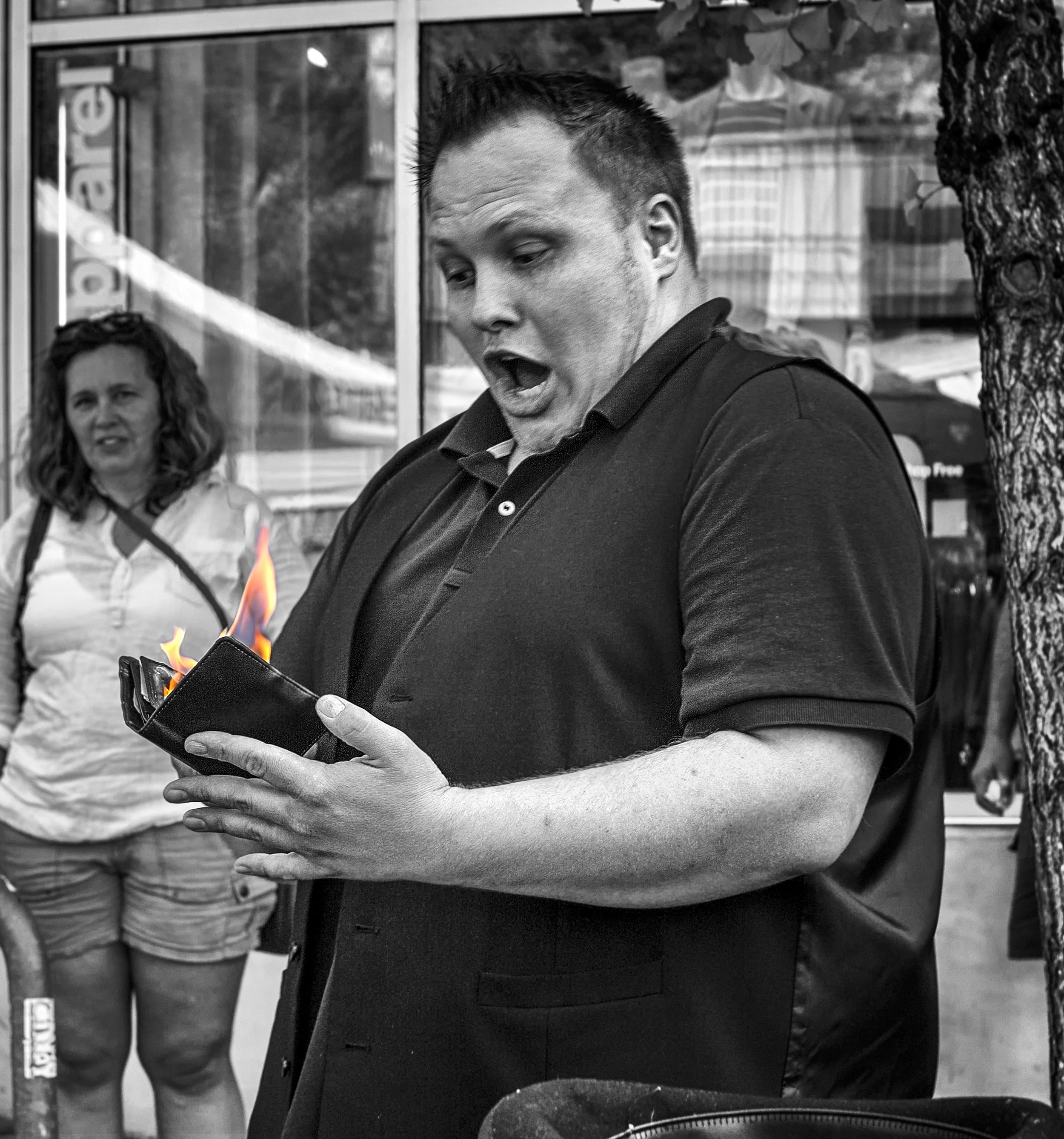 Fire wallets are always fun. Just ask Brian Proctor (Phots by Darren Sethe 2018)
