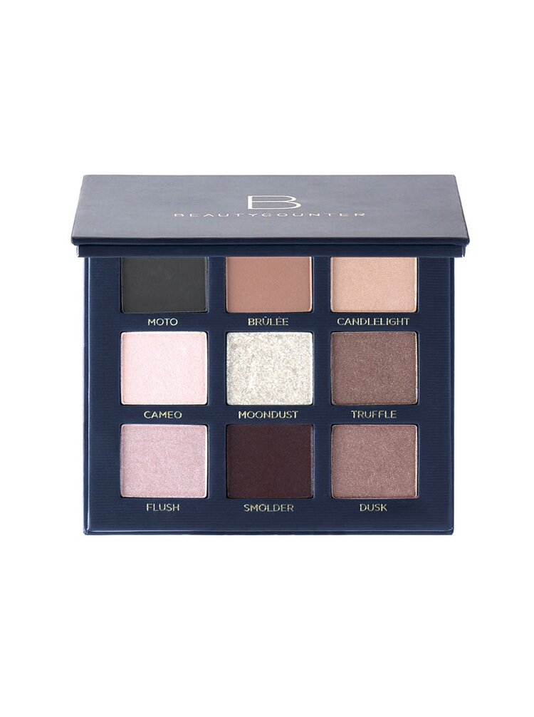Velvet Eyeshadow Palette – Romantic - Flattering to all skin tones, it features nine long-wearing shades in matte and satin finishes, including a sparkling topper shade to take your look from day to night.