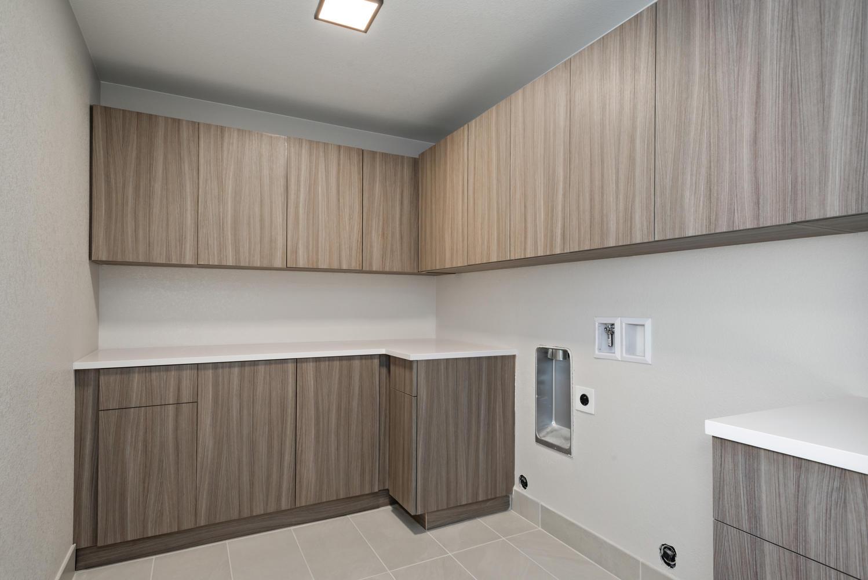 Finished Basement - Laundry Room
