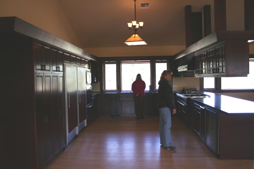 Barn interior.kitchen.1.jpg