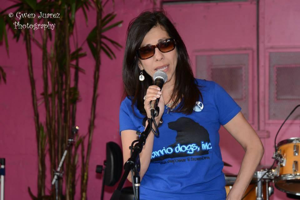 Gloria Medina Zenteno Barrio Dogs