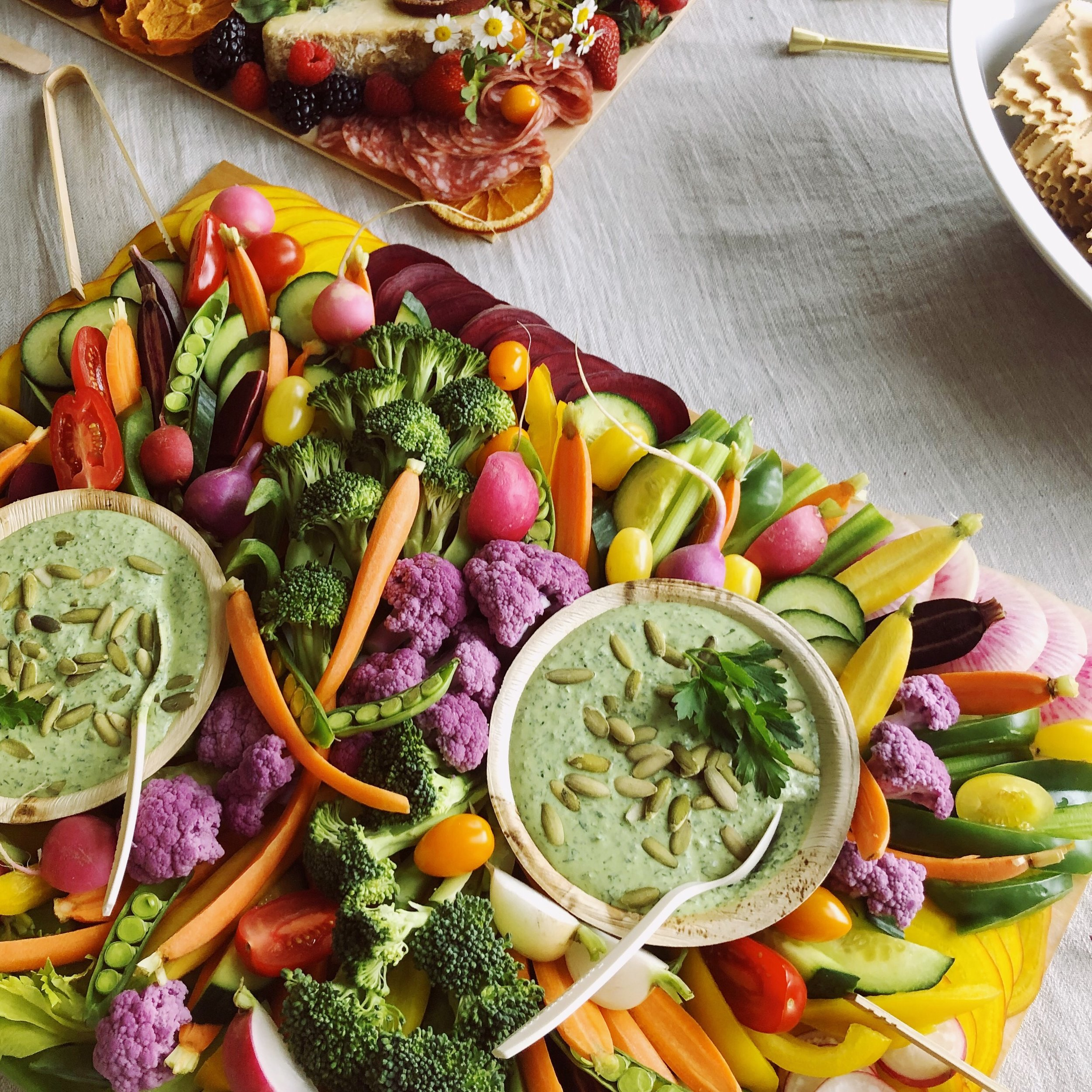 Classic Crudités - Freshly cut, organic vegetables, perfect for dipping in our signature green goddess dressing.Medium (serves 12; original price $80 + $10 delivery):2/month: $162 (save 10%)4/month: $306 (save 15%)Large (serves 24; original price $140 + $10 delivery):2/month: $270 (save 10%)4/month: $510 (save 15%)