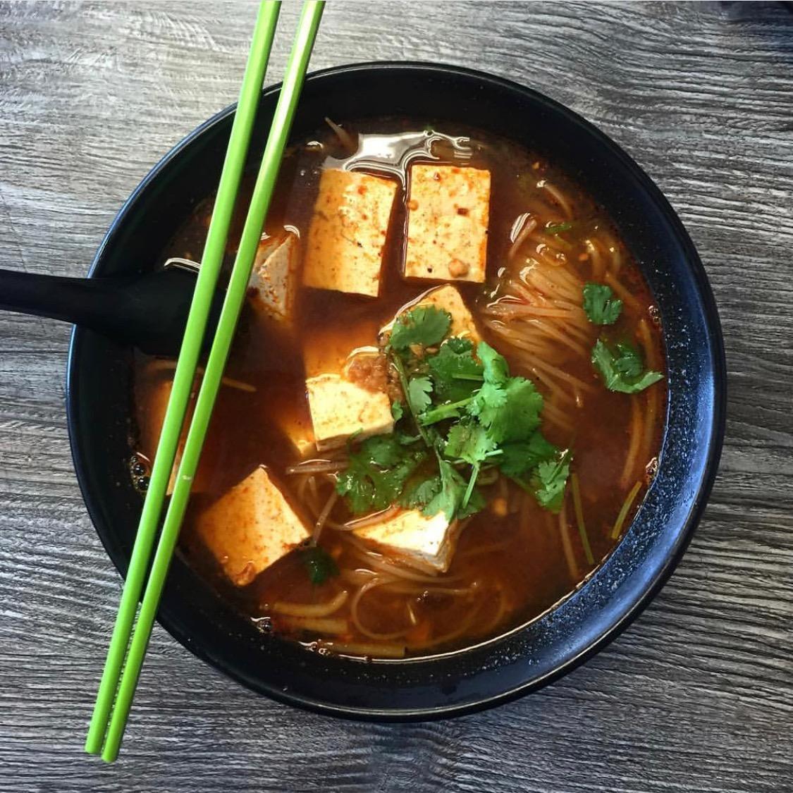 Tom Yum Noodle Soup, shown here with tofu. @myveganpasadena  Pc: @scaryveggie