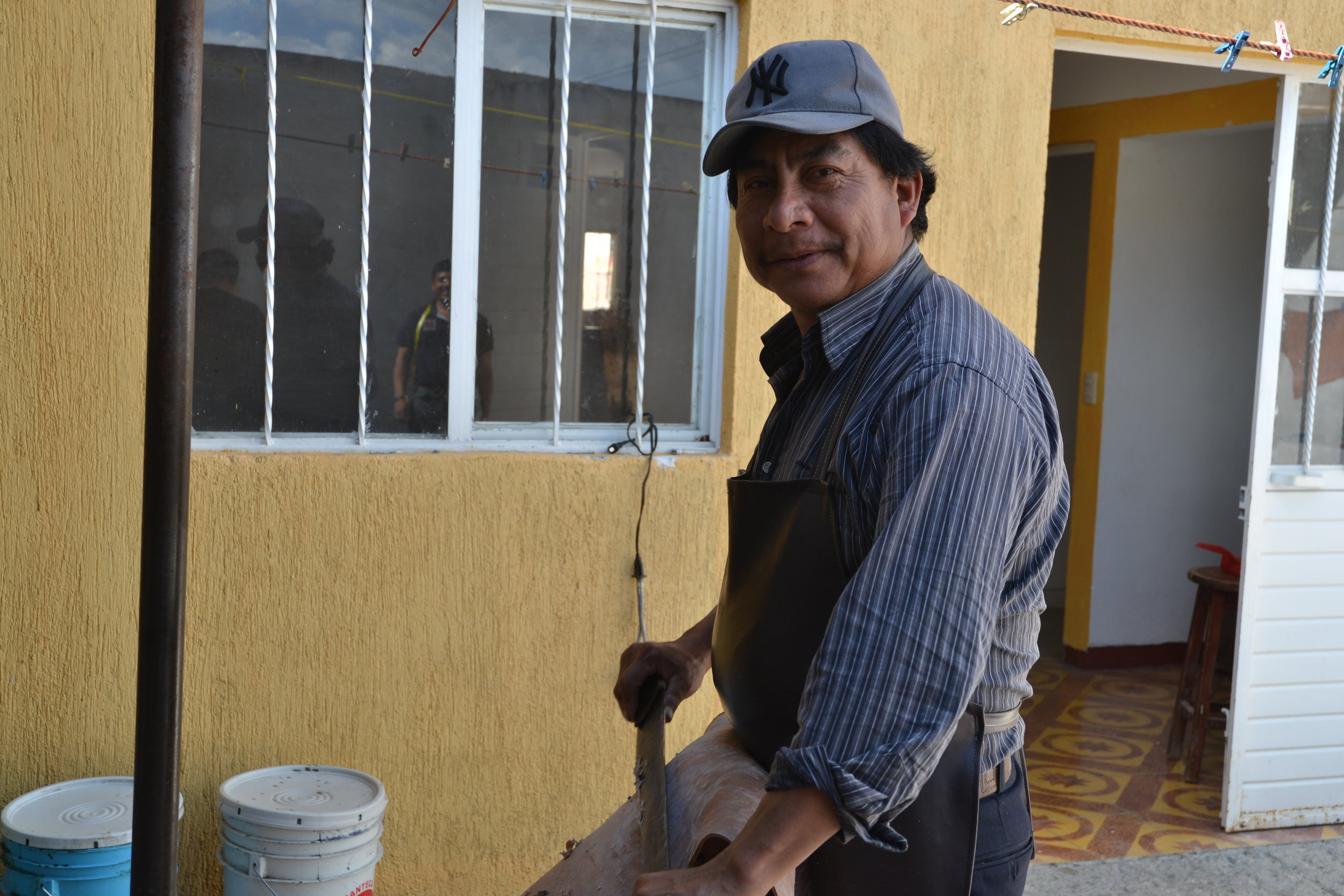 Maestro Caralampio has been a leather worker for 26 years. He learned how to work with leather when he was 11 and grew up with his uncle who was one of the first men in Chiapas that began treating leather and making handbags.