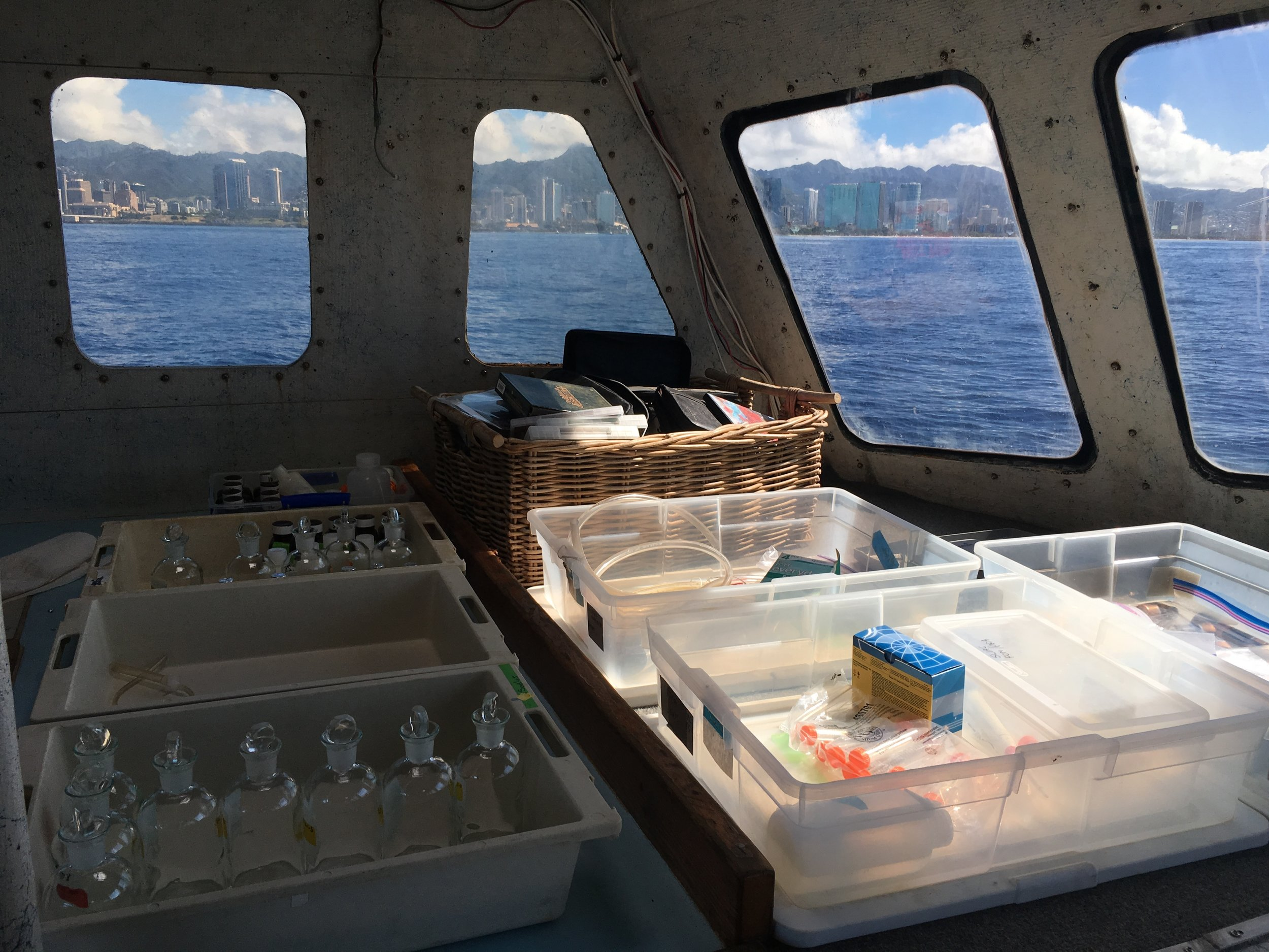 On board laboratory on the Hoʻoponopono, Mamala Bay