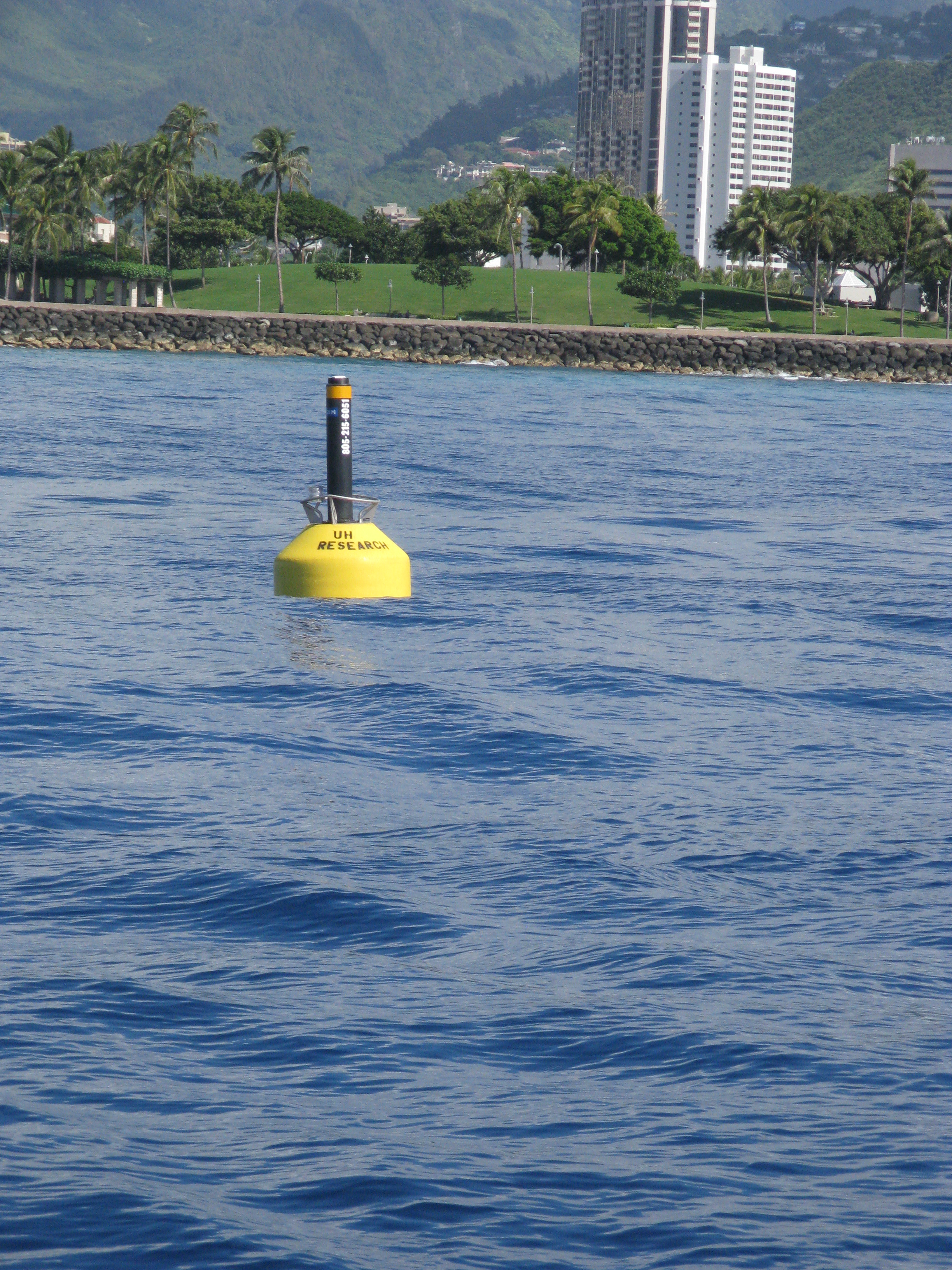 Profiling mooring off the west coast of Oʻahu