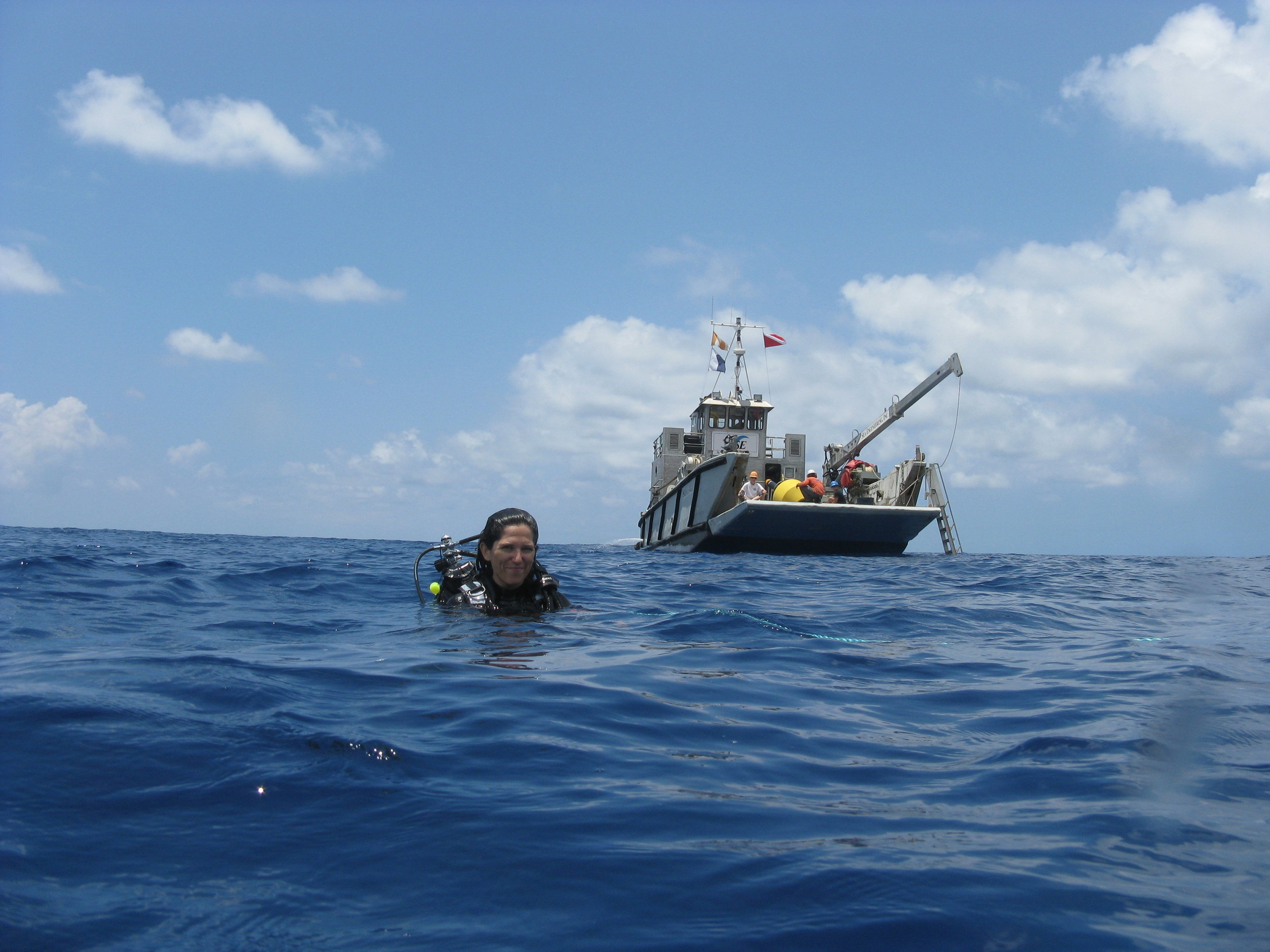 Mooring recovery off the west coast of Oʻahu