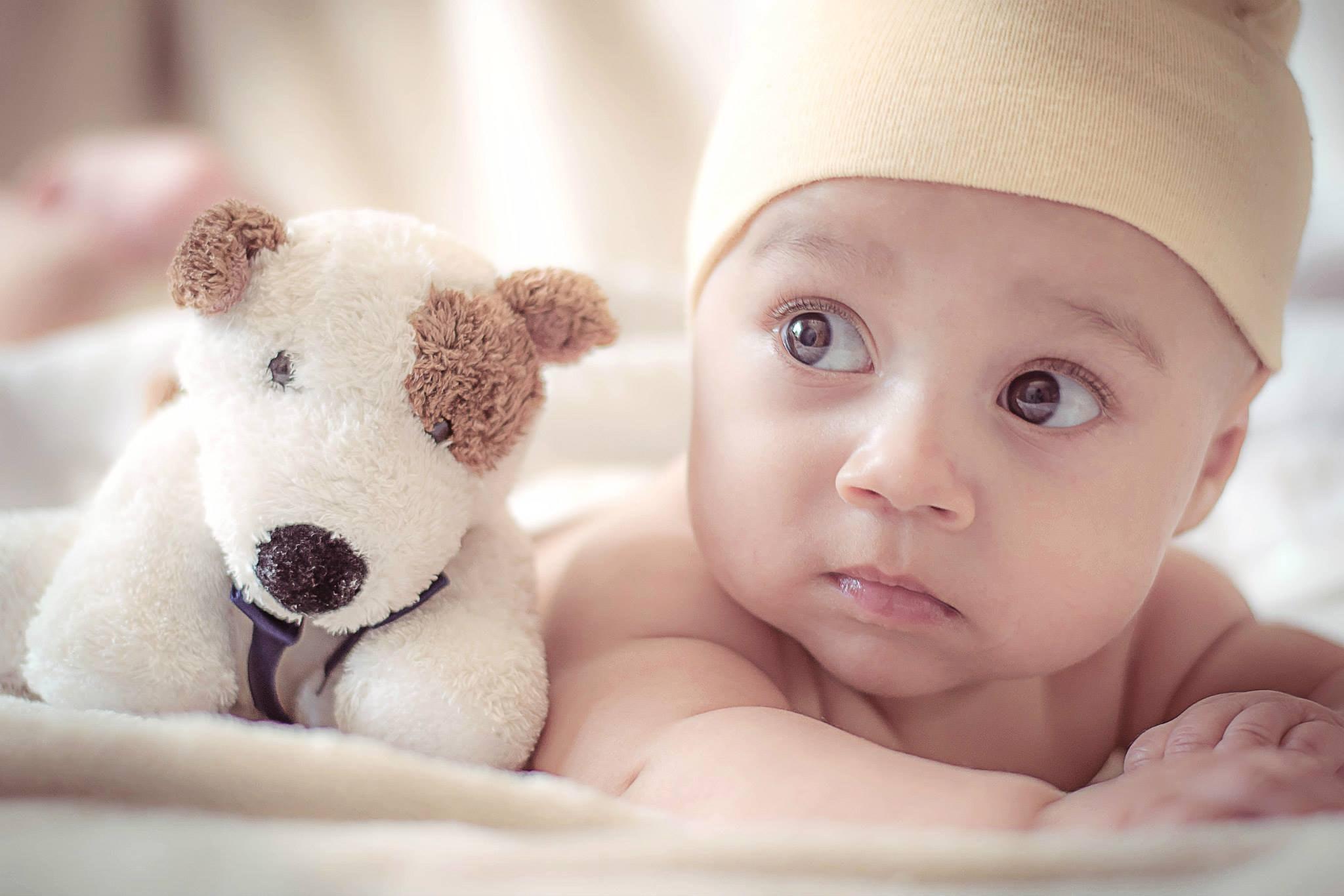 adorable-baby-blur-428388.JPG