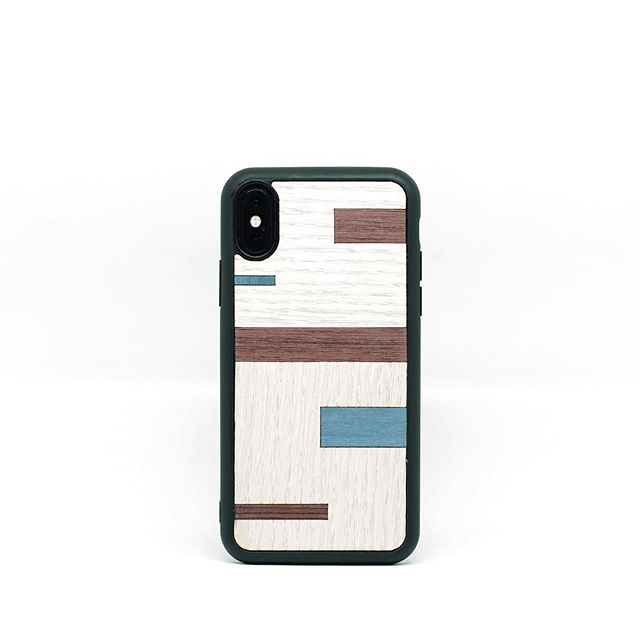 ❤️There's a lot of brand new stuff All made of wood, we love it! Go find your!!!👊🏻🛍 • #wood#walnut#noce#acero#palissandro#rosewood#maple#case#iphonecase#smartphonecase#case design#handmade#italy#diy#laser#woodporn#followforfollowback#likeforlikes#milano#modena#reggioemilia#robot#clocks#instagram@instagram#whispers#pacman#samsungs10#samsungs9#gameofthrones#endgame