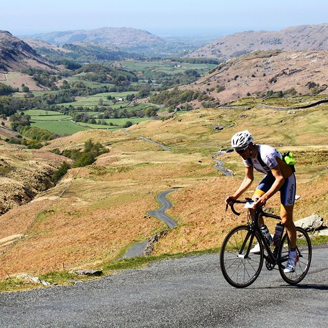 A lot think it is over before it has even begun! 🥵🏔🚴🏼‍♂️💨 —————————————————————— #cycling #climbing #hardknott #fredwhitton #lakedistrict #training #motivation