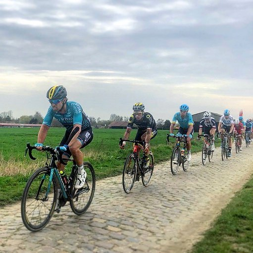 It's Roubaix weekend - HYPE!!! 😍🥵😍 ———————————————————————— #cycling #cobbles #roubaix #classics #motivation