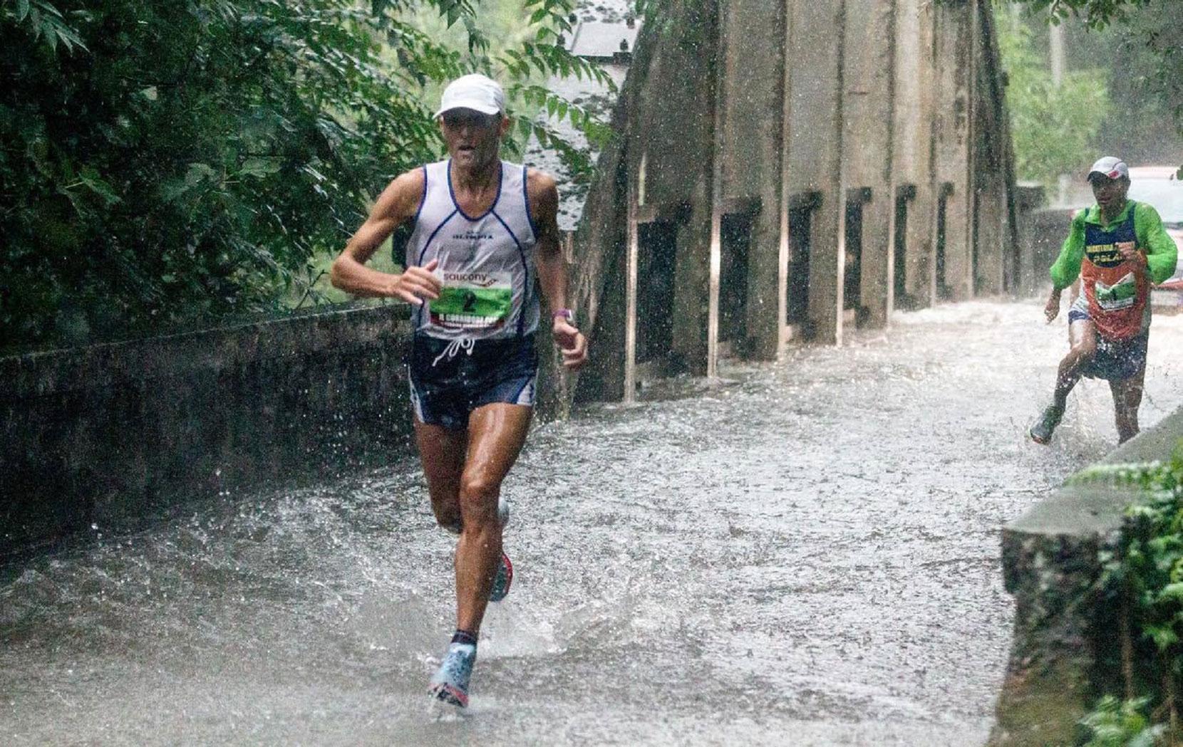 Come mi preparo alla fatica - Leggi la testimonianza di Stefano Velatta, un altro ultramaratoneta che indossa abbigliamento bio-funzionale che stimola la produzione di Ossido Nitrico >