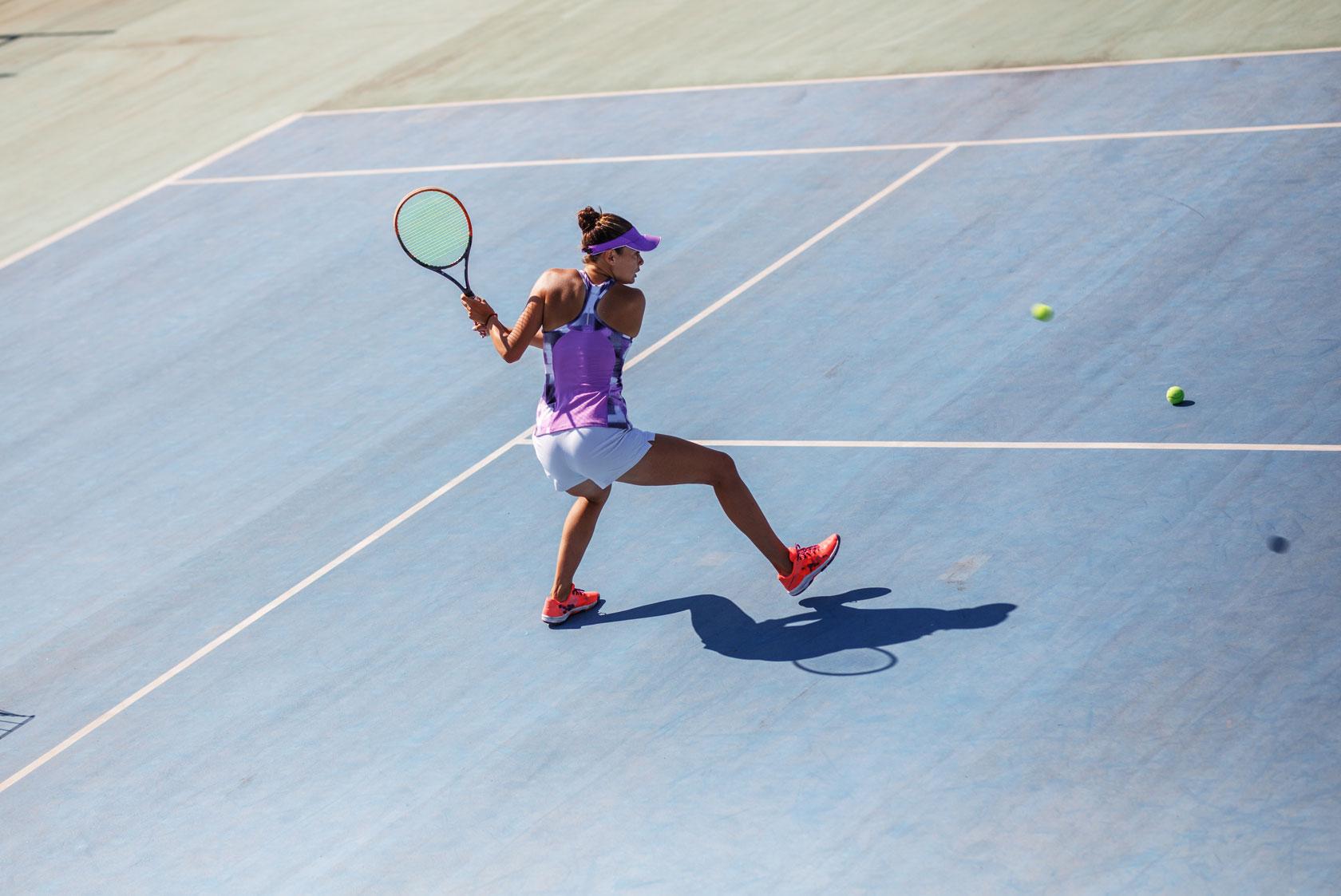 Gioco del tennis: strategia per il recupero della fatica durante la partita e l'allenamento
