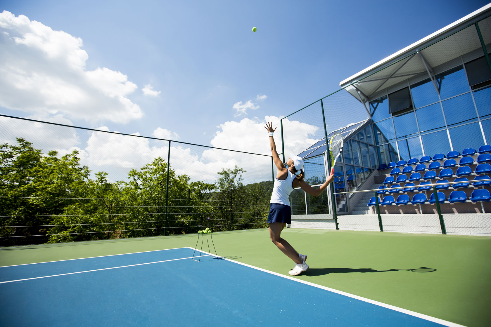 Contrastare dolore e infiammazione al braccio e gomito del tennista