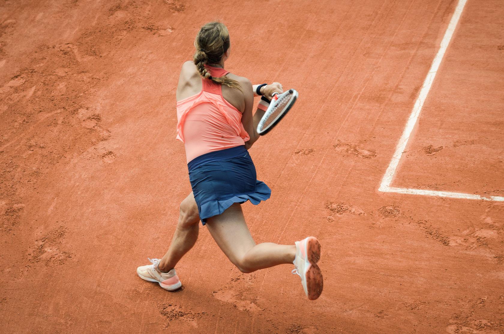 Tennis-prevenzione-infiamazione-epicondilite-braccio-tennista.jpg