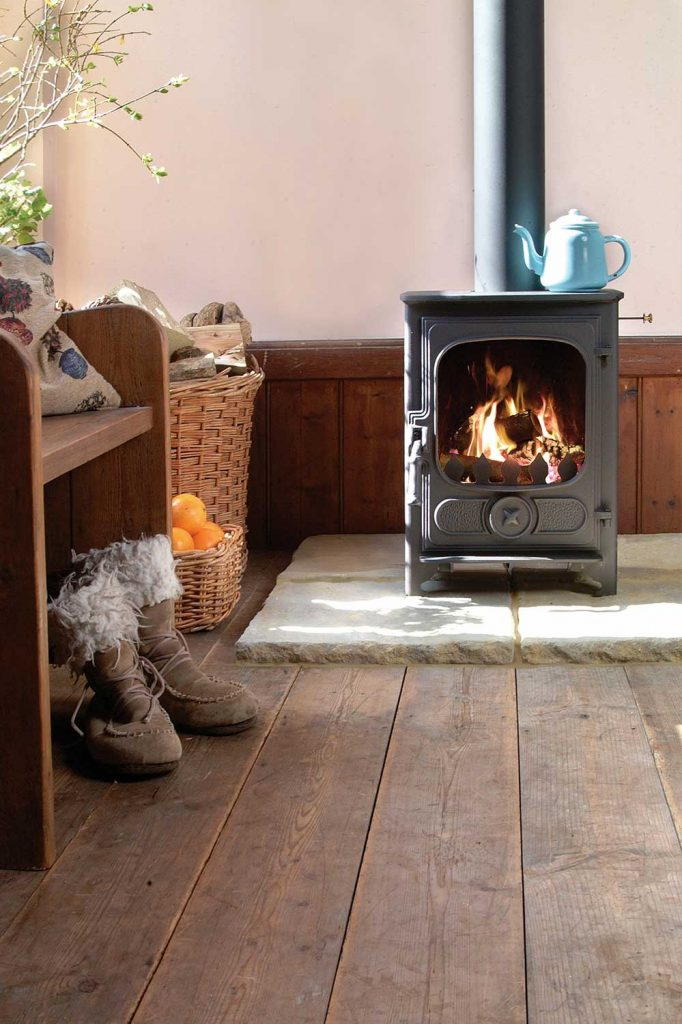 Charnwood-Country-4-Woodburning-Stove-Black-682x1024.jpg