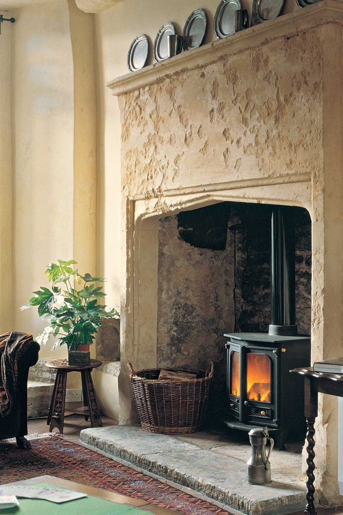 Charnwood-Country-8-Woodburning-Stove-black-682x1024.jpg