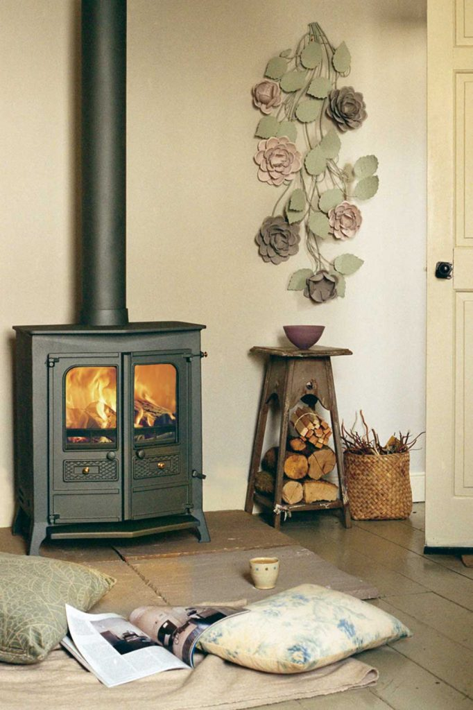 Charnwood-Country-16BWB-Woodburning-Stove-black-682x1024.jpg