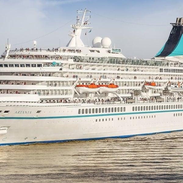 MS Artania visit Lofoten Harbor today.  #lofotenharbor #msartania #lofoten #lekneshavn #cruise #cruisenorwegian #lofotengaverogbrukskunst
