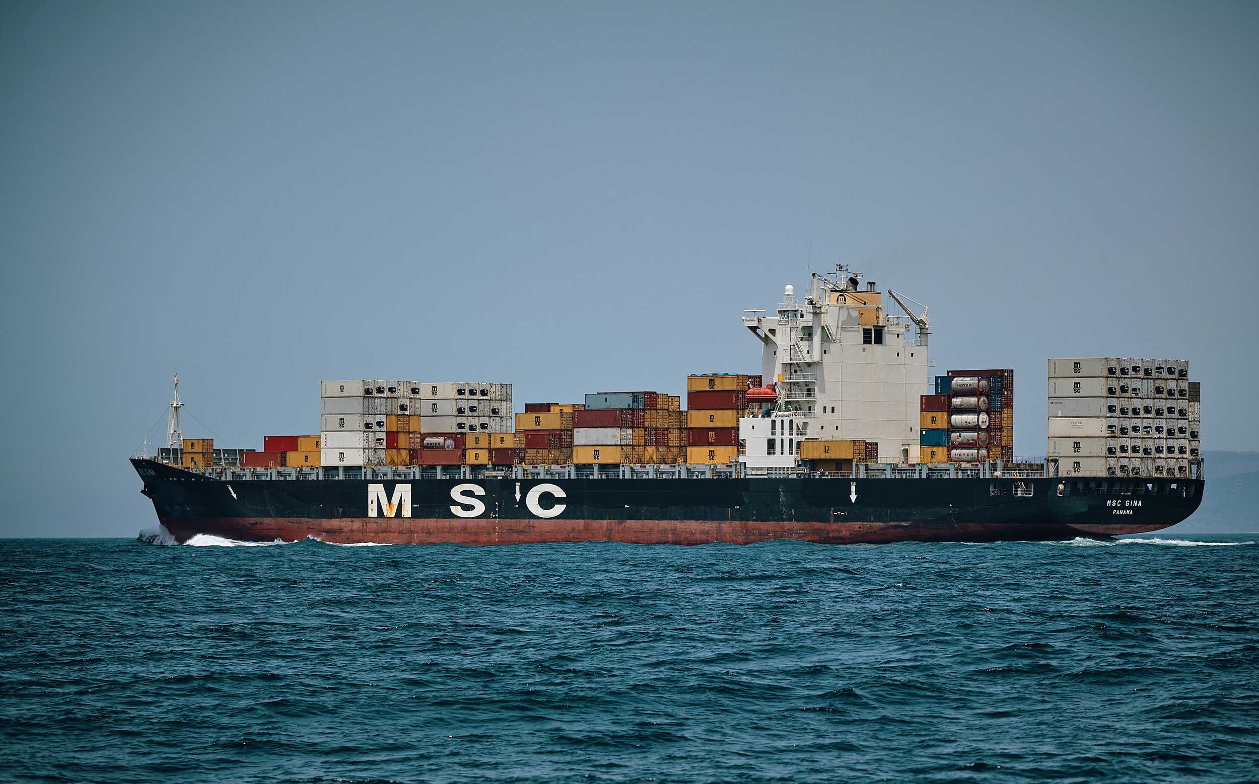 - CONTAINERSHIP OPERATOR