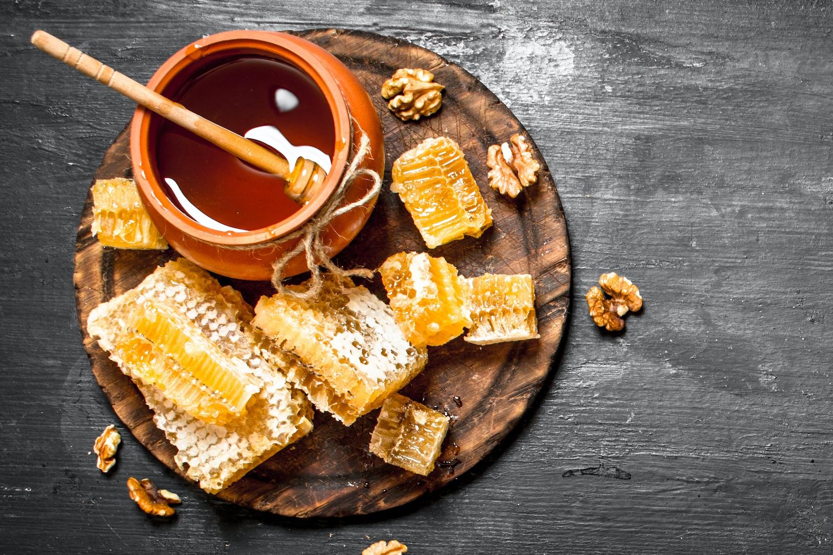 Finish - Hints of Cedar & Honey