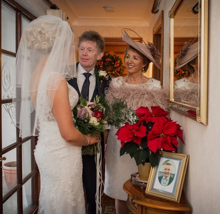Award Winning Wedding Northern Ireland Photographer Audrey Kelly 4.png