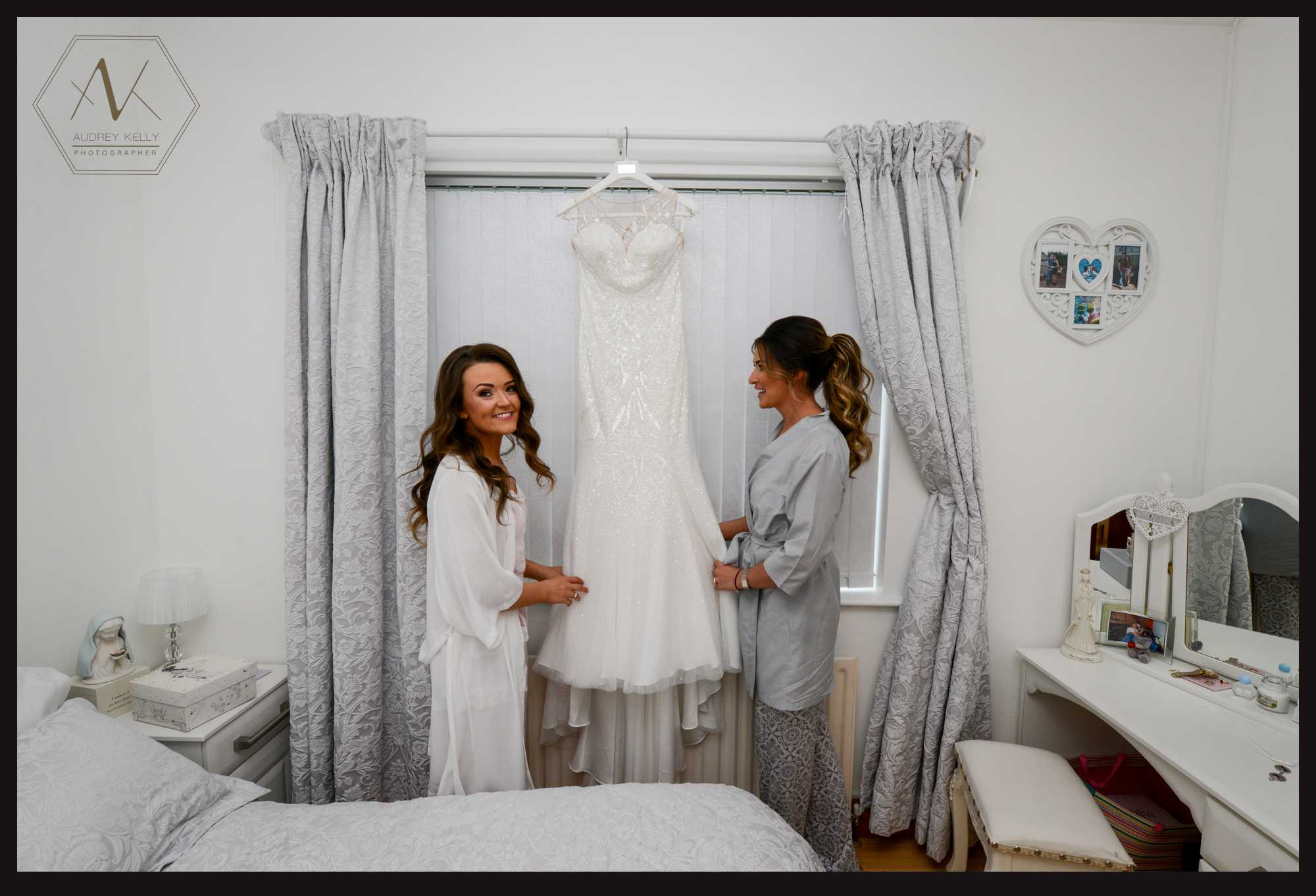 blathnaid_lee_wedding_day_images_omagh_bridal_dress_cararose_wedding_gown_2.jpg