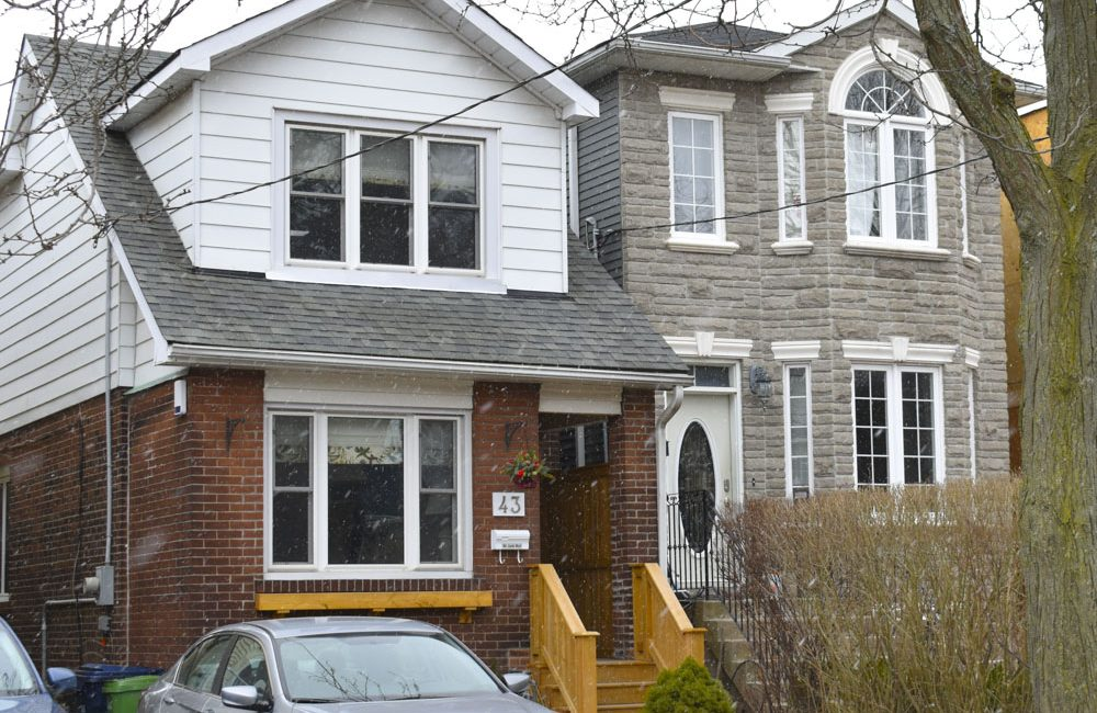 This home at 43 Aldwych Ave. sold for more than the asking price in December. (FLEUR BOOMSMA//TORONTO OBSERVER)