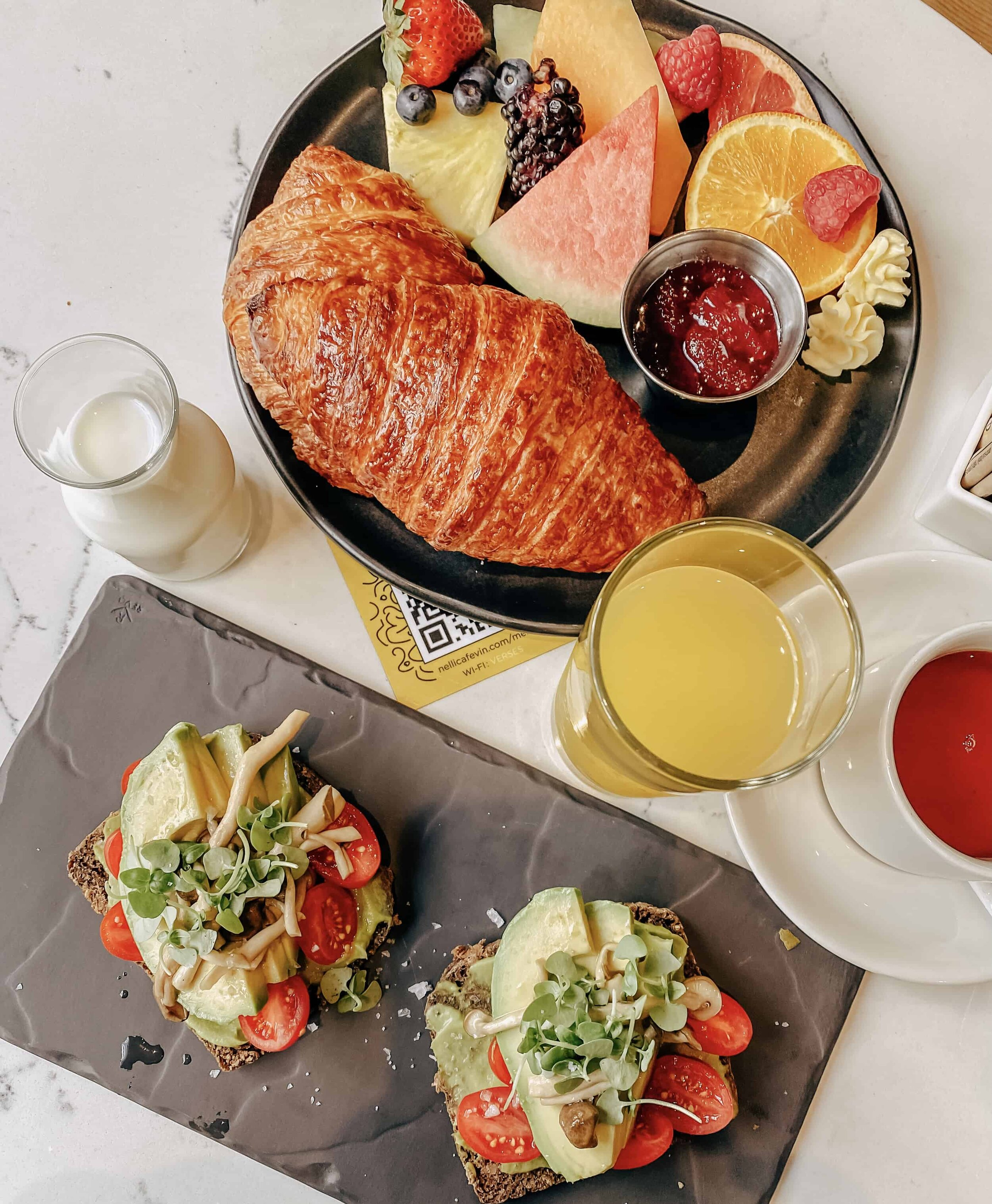 Healthy breakfast_1.jpg