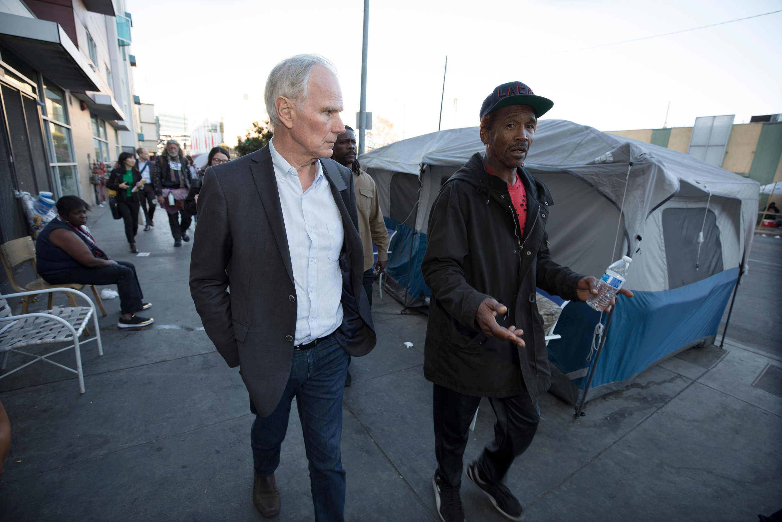 Philip Alston, United Nations Special Rapporteur explores Skid Row in Los Angeles, California— Photograph: Dan Tuffs for the Guardian