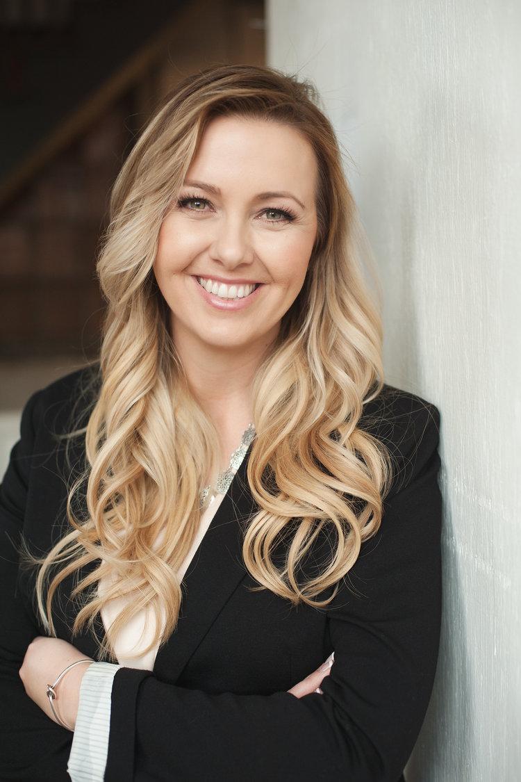Melanie Bisson Headshot
