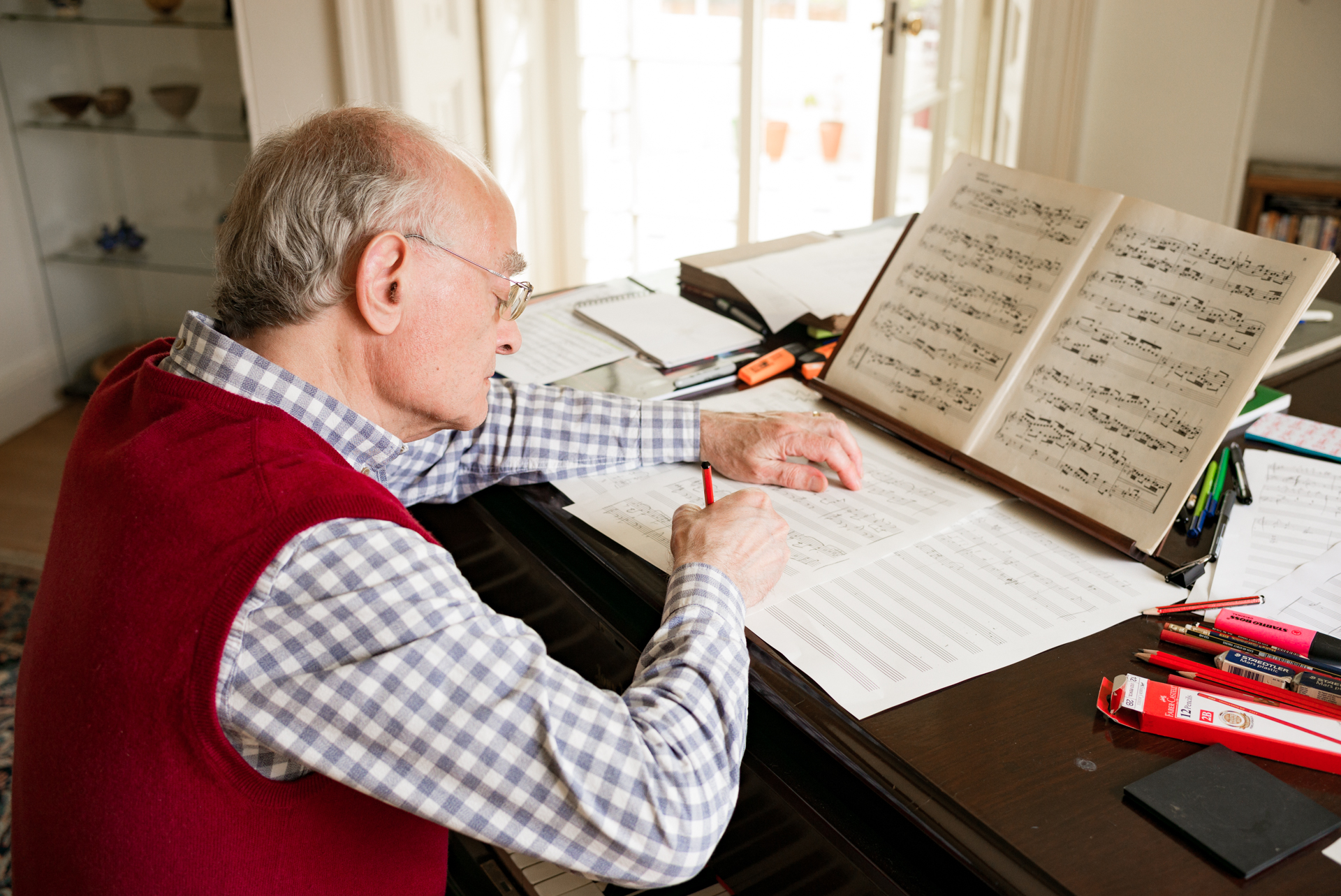 JOHN RUTTER - I manage the digital presence for composer and conductor John Rutter, including his social media, streaming platforms, mailing list, website and PR.