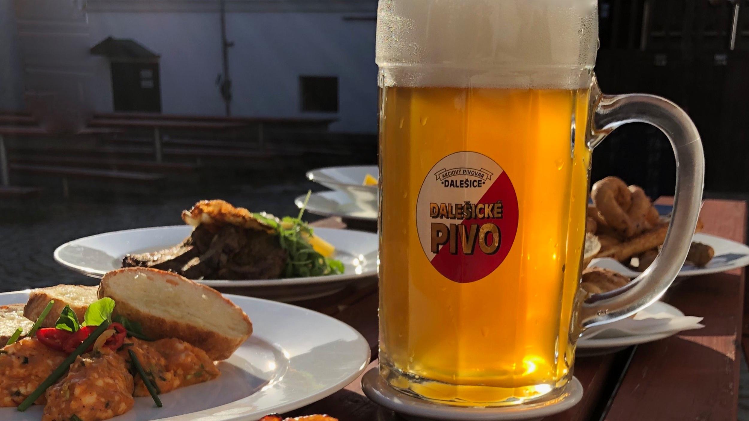 Pivobraní aneb Dalešický Oktoberfest - 25. - 29. 9. Speciality z piva a k pivuOd středy do neděle, v sobotu i s kulturním programem a pokud nám bude přát počasí, bude to nejen akce v Pivovarské restauraci, ale stane se z toho zároveň i letošní poslední venkovní událost, tak nám držte palce ;-)Rezervujte si svůj stůl na rezervace@pivovar-dalesice.cz nebo 568 860 942.